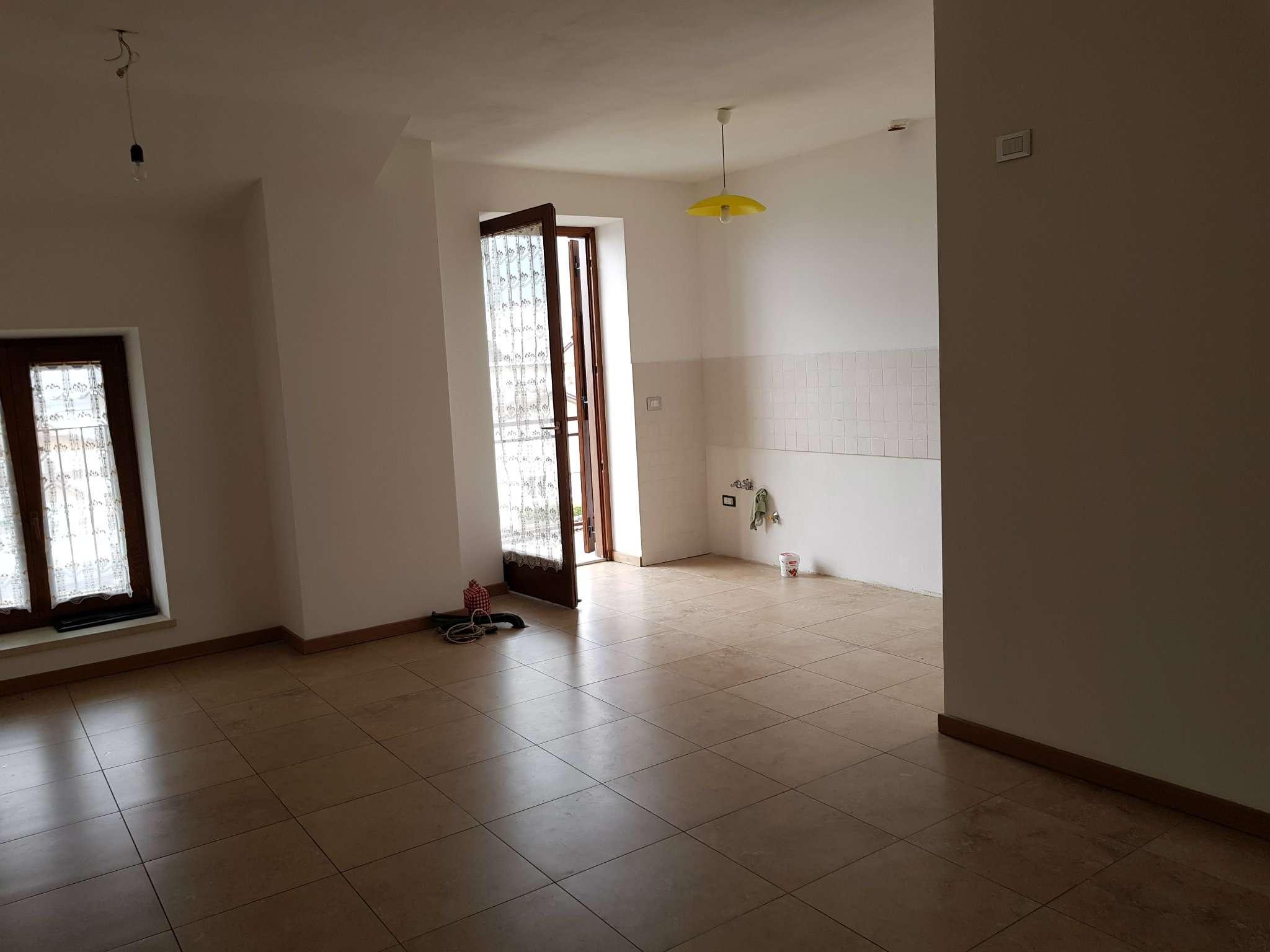 Appartamento ristrutturato in affitto Rif. 5006050