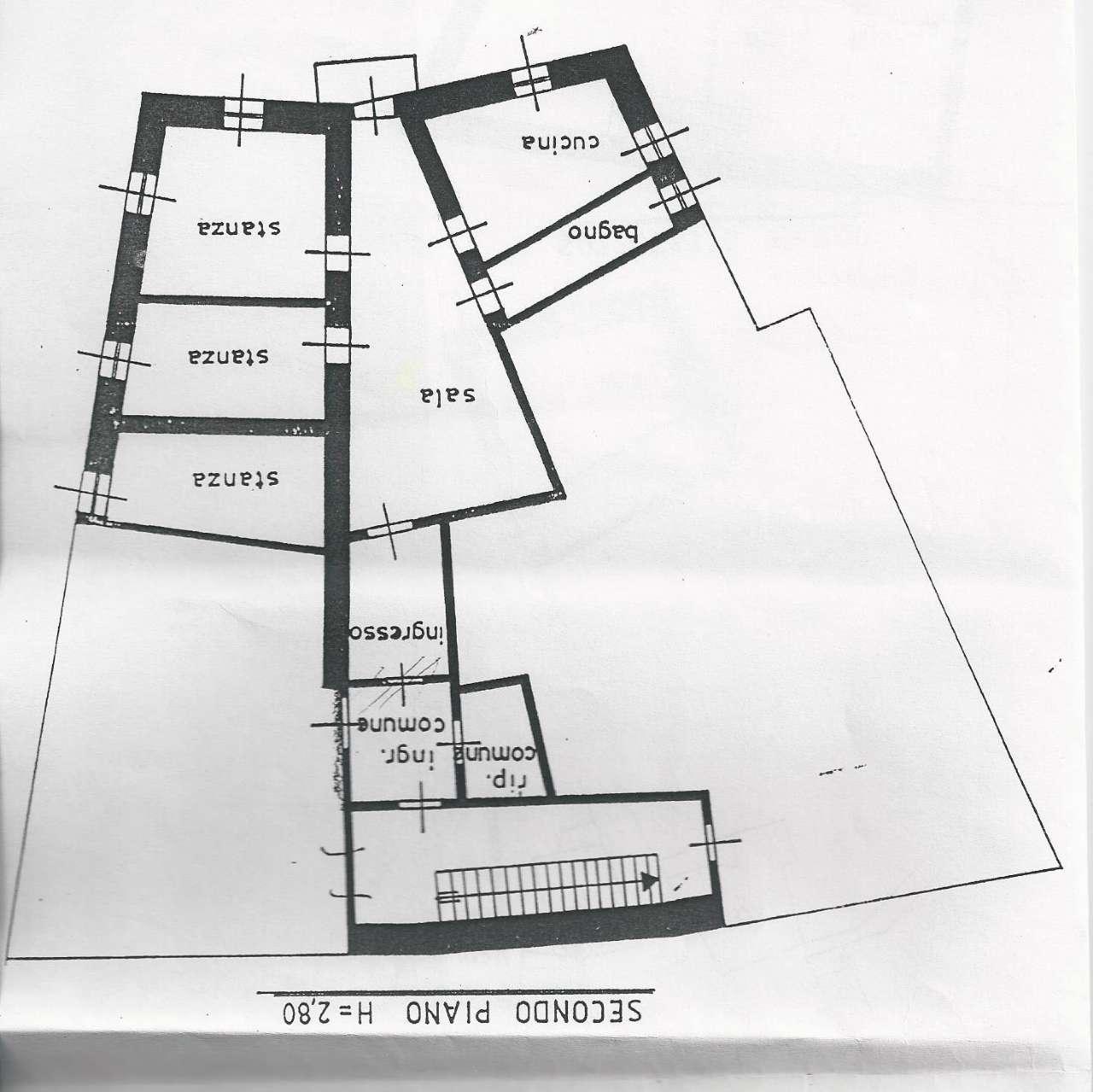 Appartamento in vendita a Cles, 6 locali, prezzo € 119.000   CambioCasa.it
