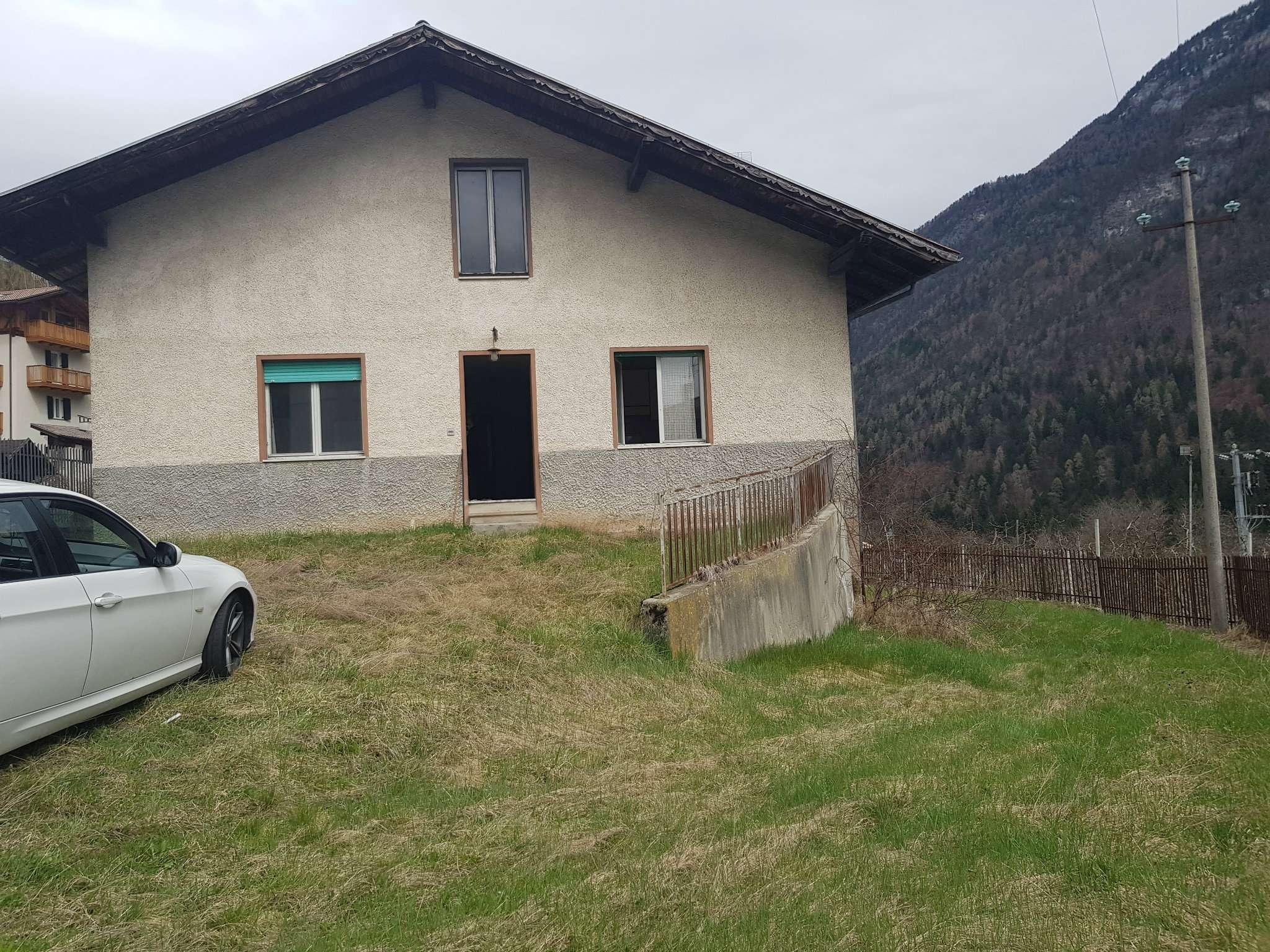 Casa Indipendente da ristrutturare parzialmente arredato in vendita Rif. 6296124