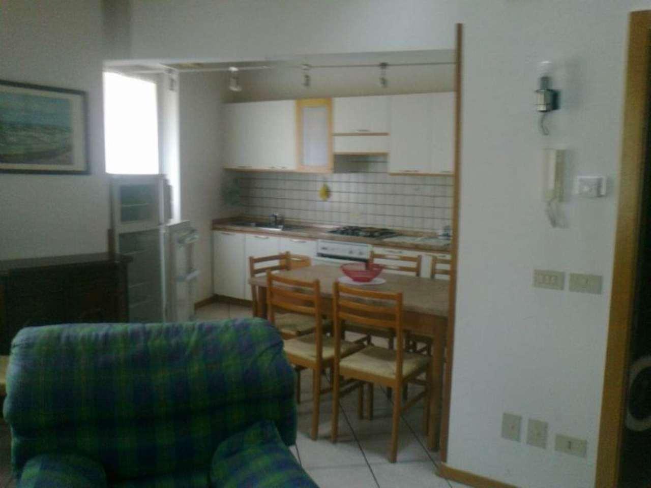 CLES centralissimo,affittasi miniappartamento arredato mq. 45
