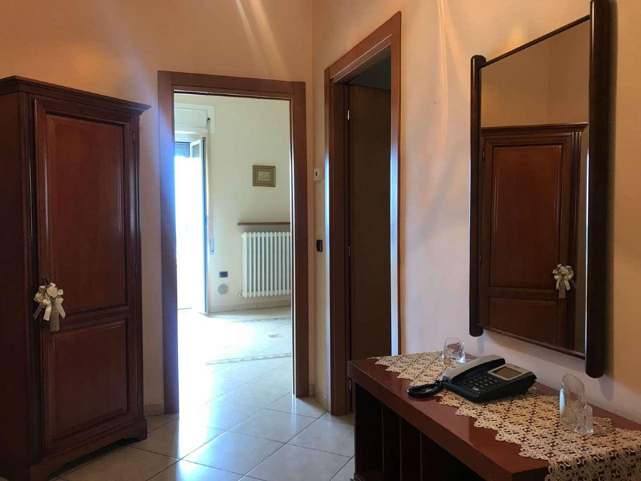 Appartamento ristrutturato arredato in affitto Rif. 6710504