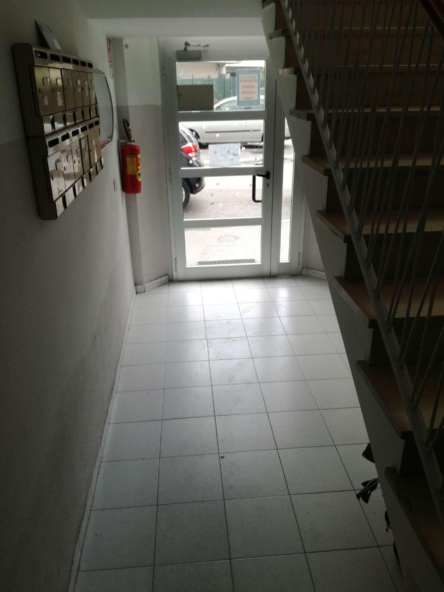 Stanza / posto letto in discrete condizioni arredato in affitto Rif. 6829192