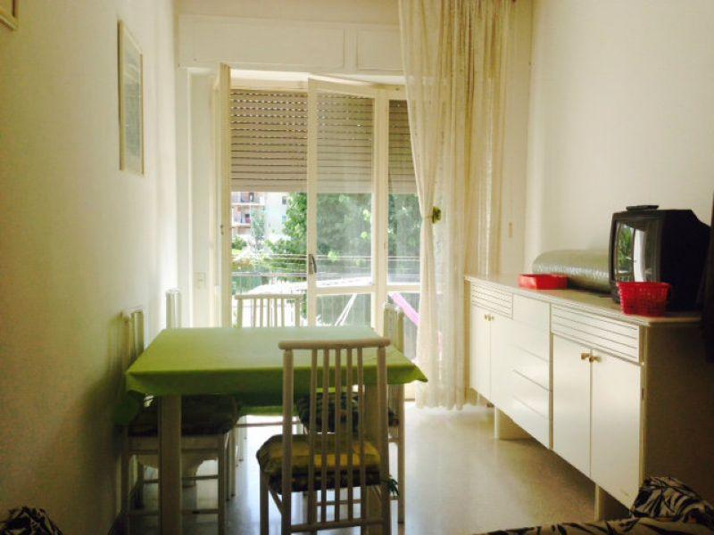 Stanza / posto letto in buone condizioni arredato in affitto Rif. 7255411