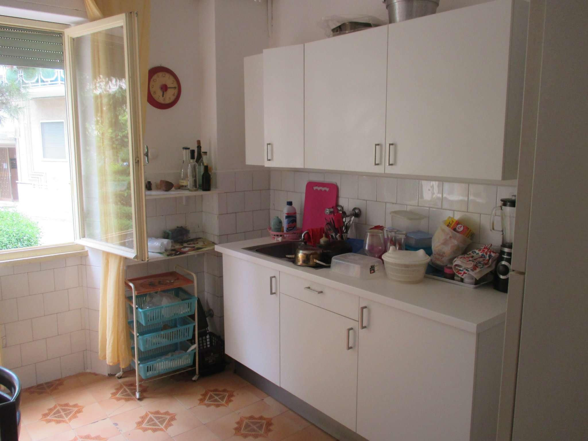 Stanza / posto letto in buone condizioni arredato in affitto Rif. 7348728