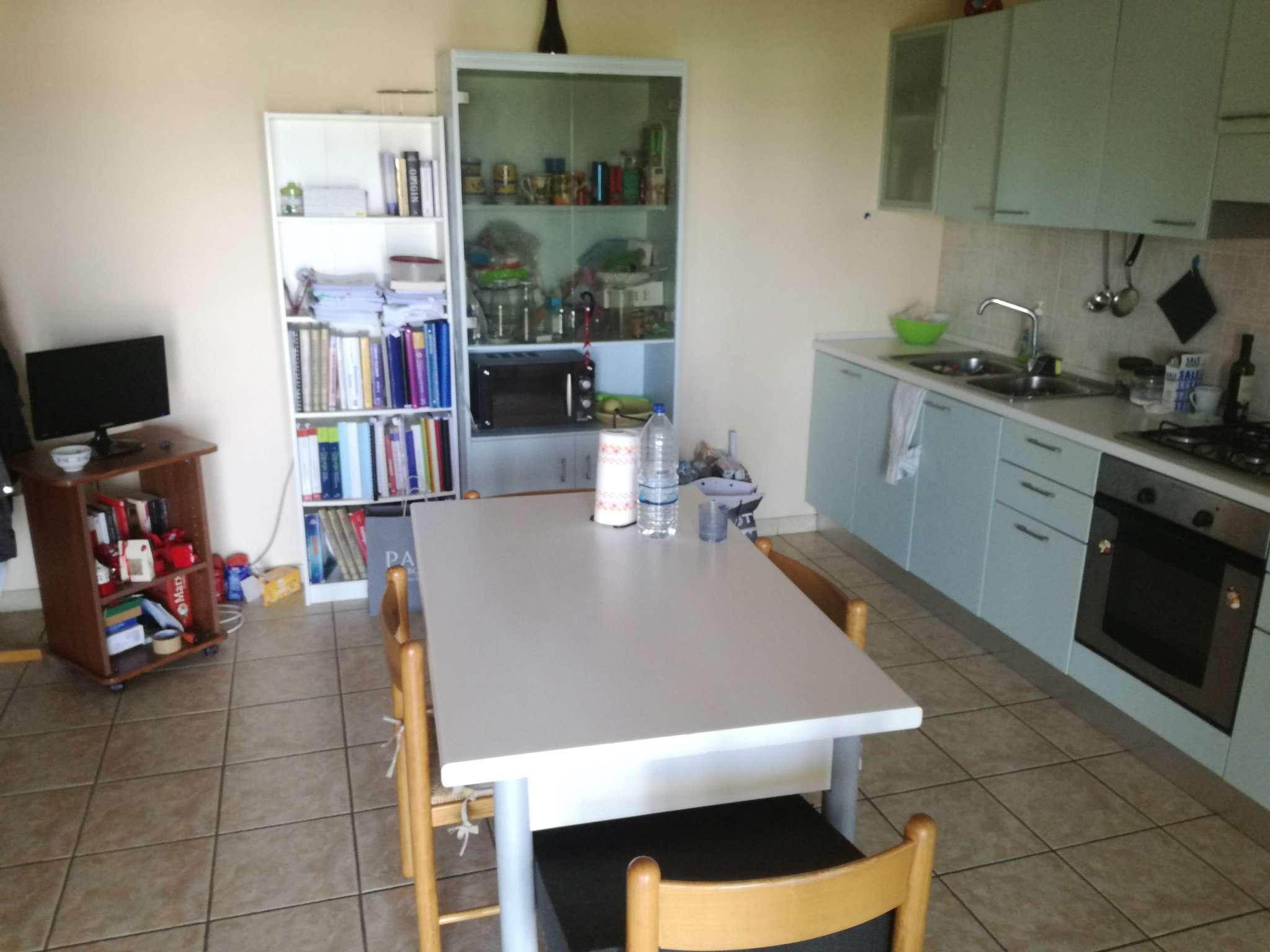 Stanza / posto letto in buone condizioni arredato in affitto Rif. 7439349