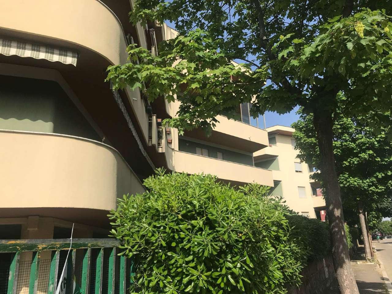 Appartamento in buone condizioni in affitto Rif. 7677963
