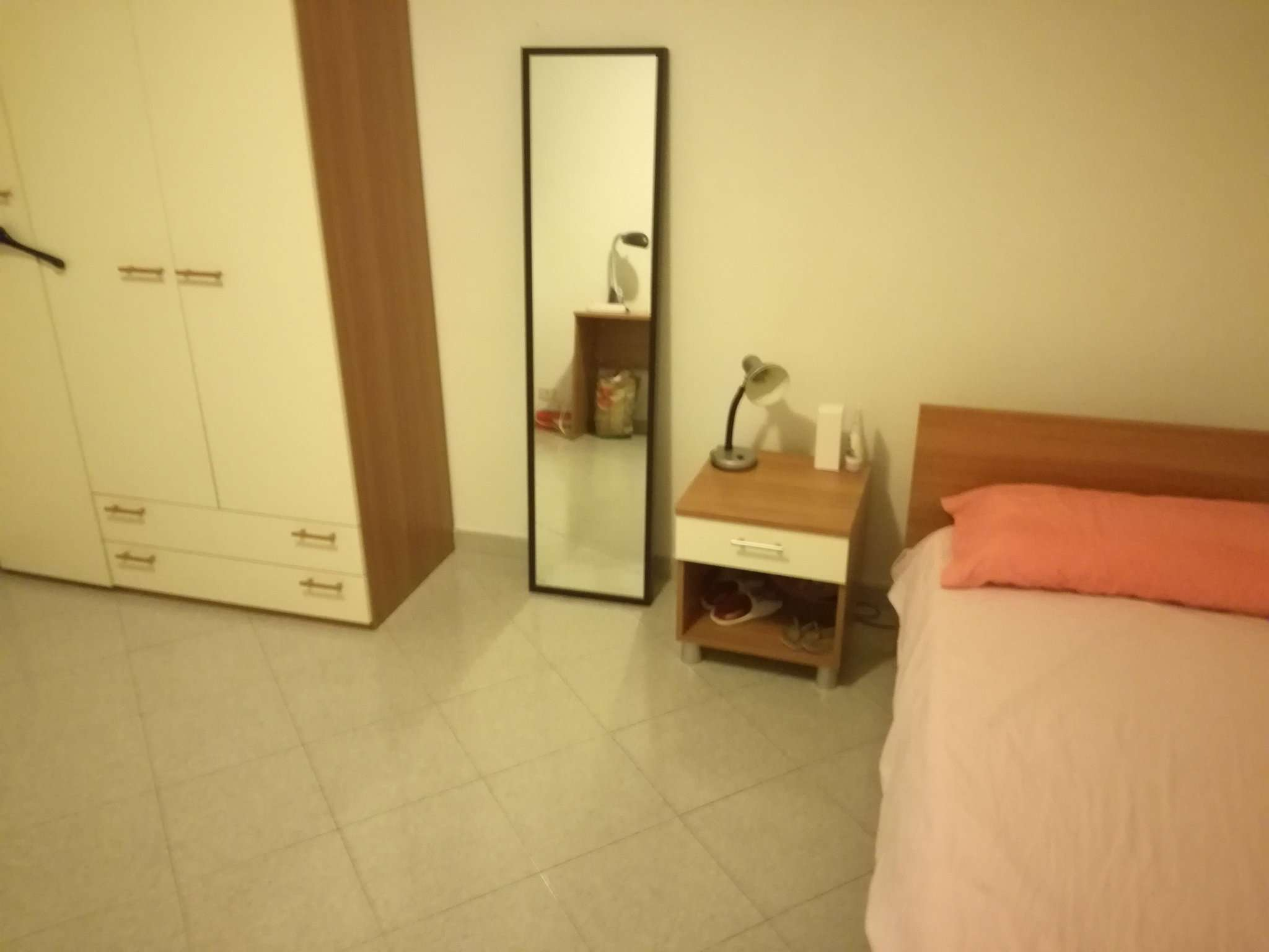 Stanza / posto letto in discrete condizioni arredato in affitto Rif. 7947302