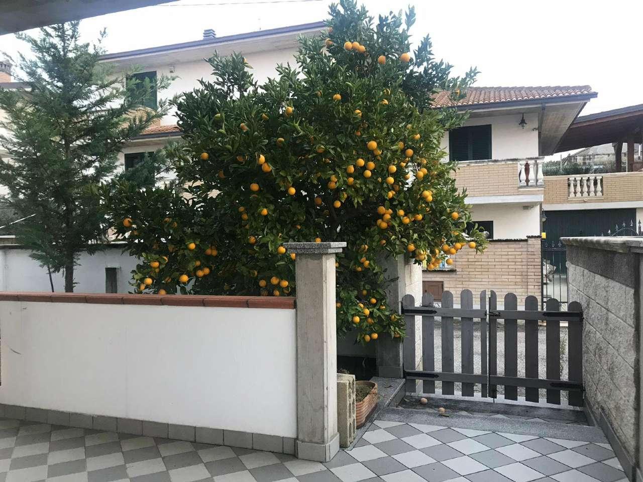 Appartamento semi arredato con corte, Manoppello - San Callisto