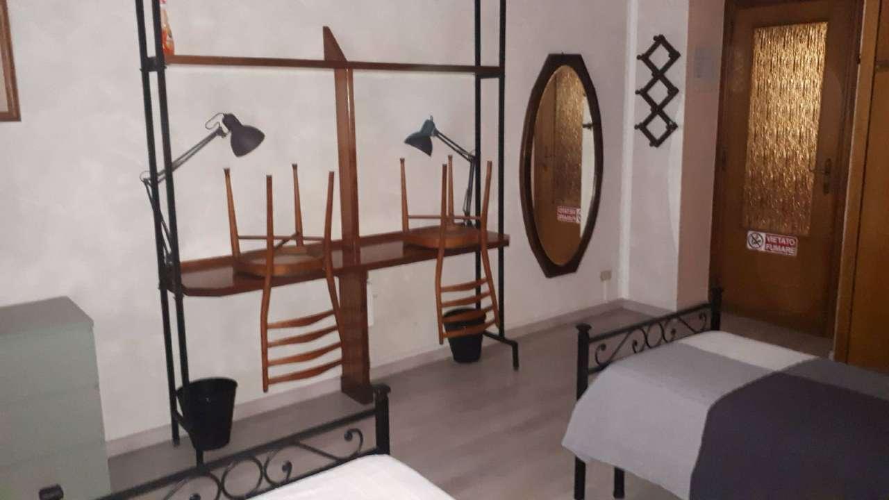 Stanza / posto letto ristrutturato arredato in affitto Rif. 7721691