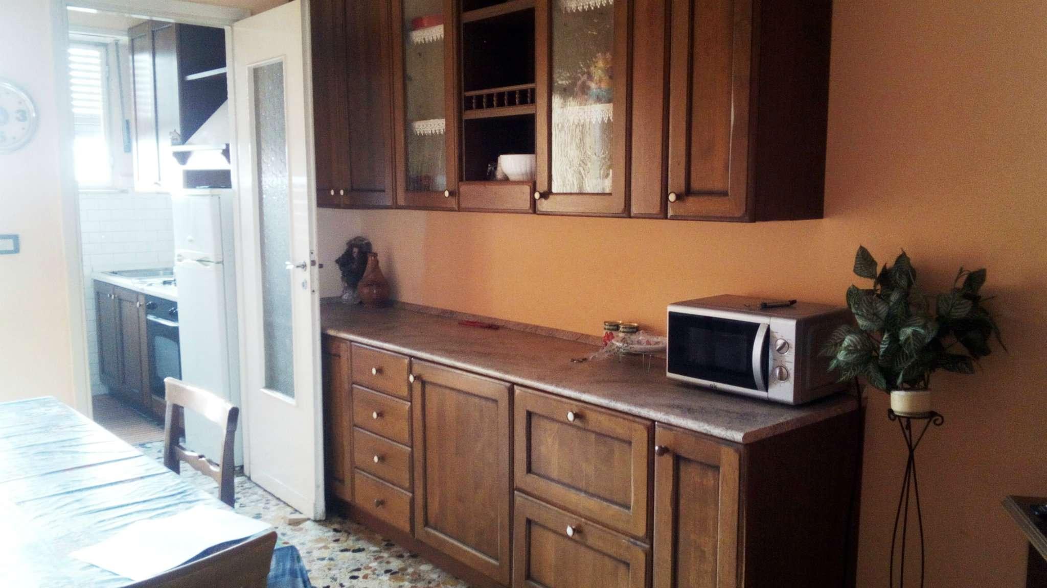 Appartamento in ottime condizioni arredato in affitto Rif. 7848572