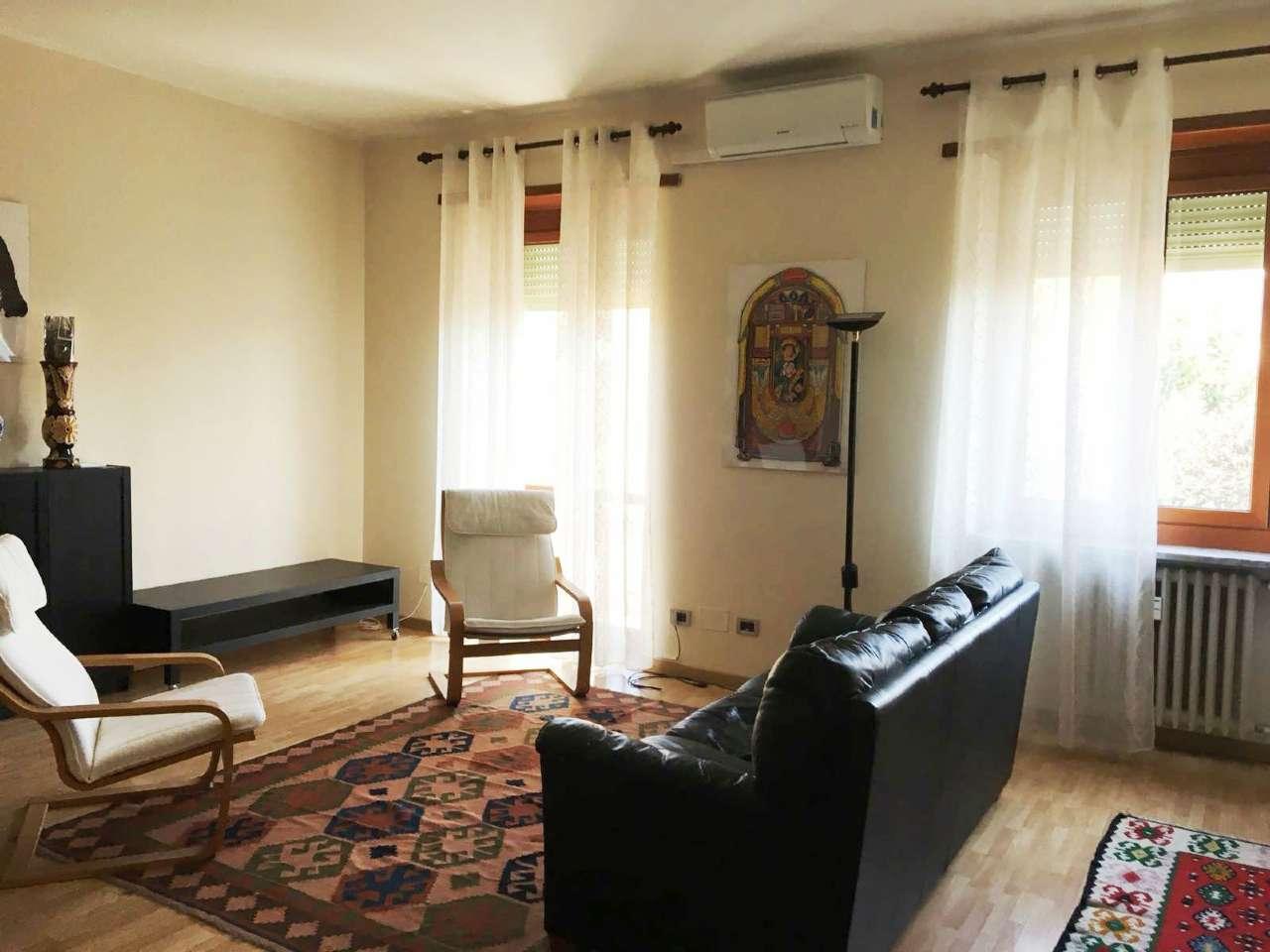 Appartamento in ottime condizioni arredato in affitto Rif. 8111844