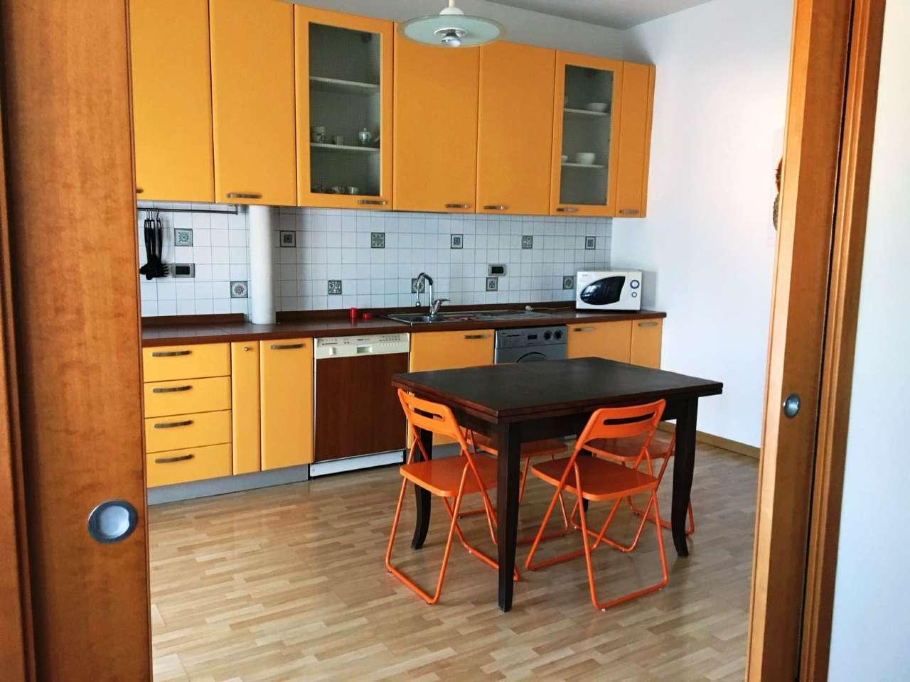 Appartamento in ottime condizioni arredato in affitto Rif. 8111845