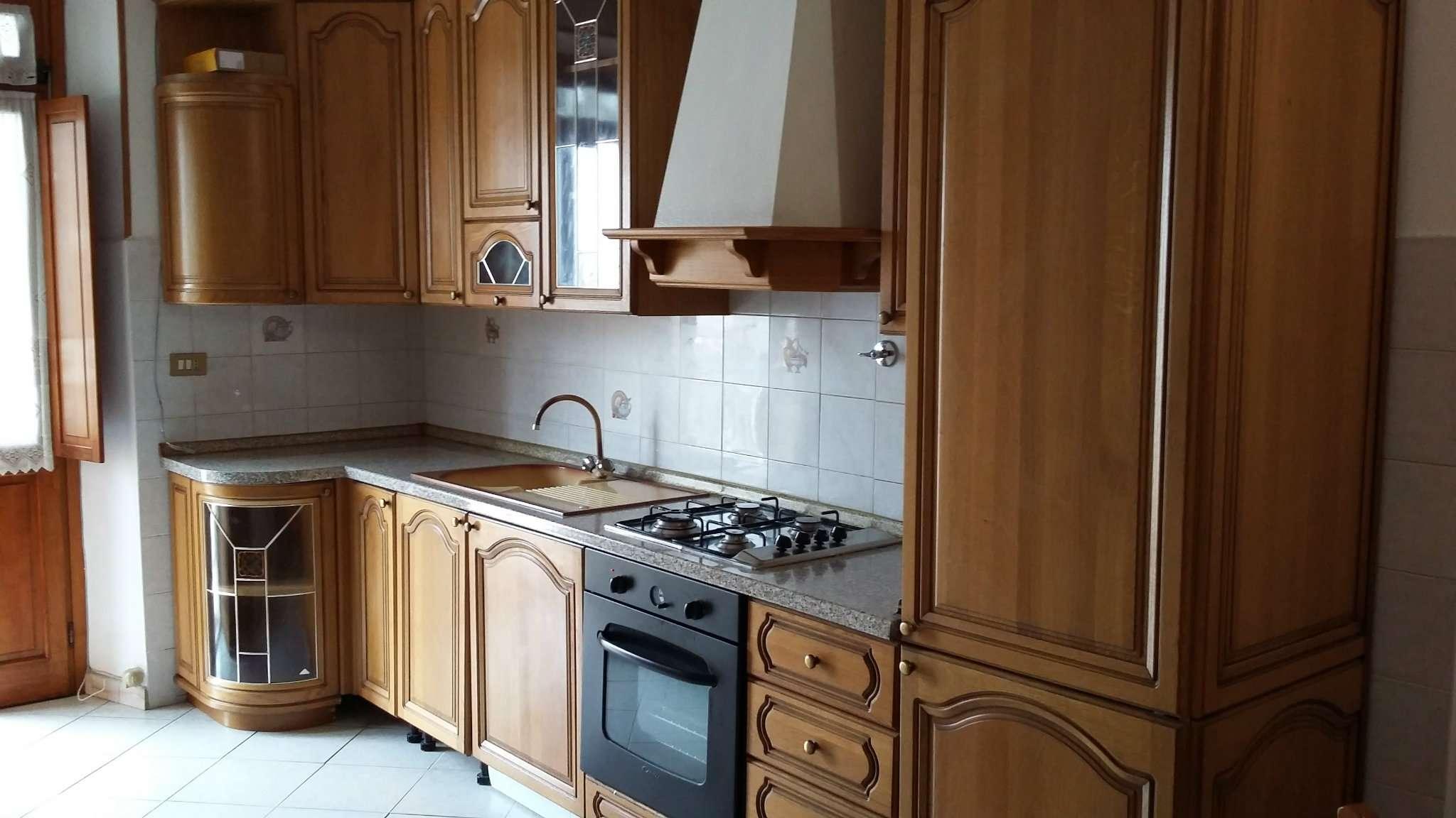 Appartamento ristrutturato arredato in affitto Rif. 9098479