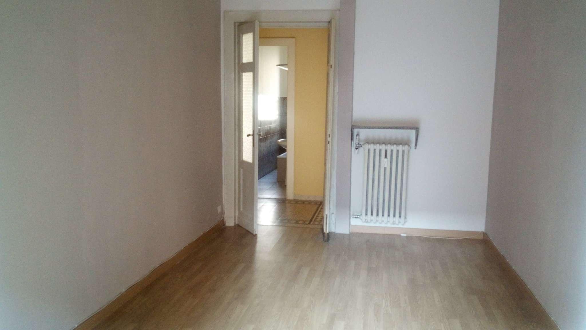 Appartamento in buone condizioni in affitto Rif. 9125385