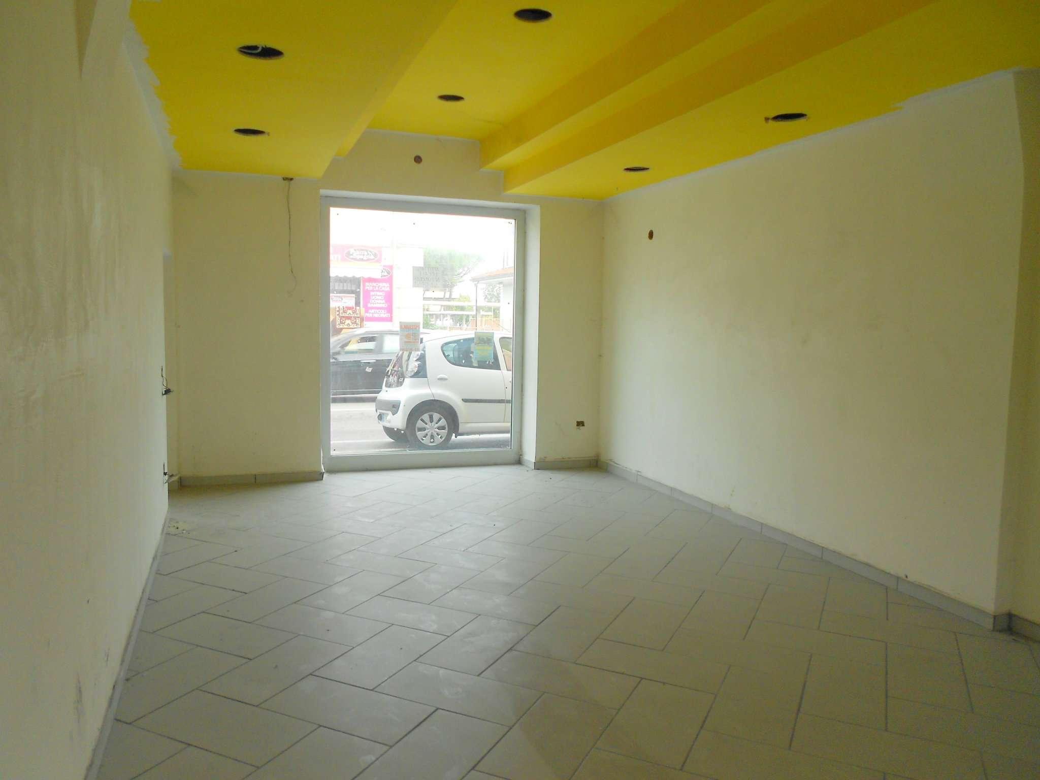 Locale commerciale fronte strada a Francavilla al Mare Rif. 5006942