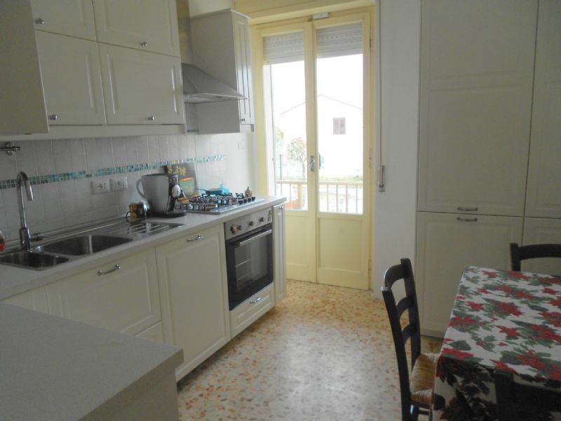 Soluzione Indipendente in affitto a Torrevecchia Teatina, 3 locali, prezzo € 450 | CambioCasa.it