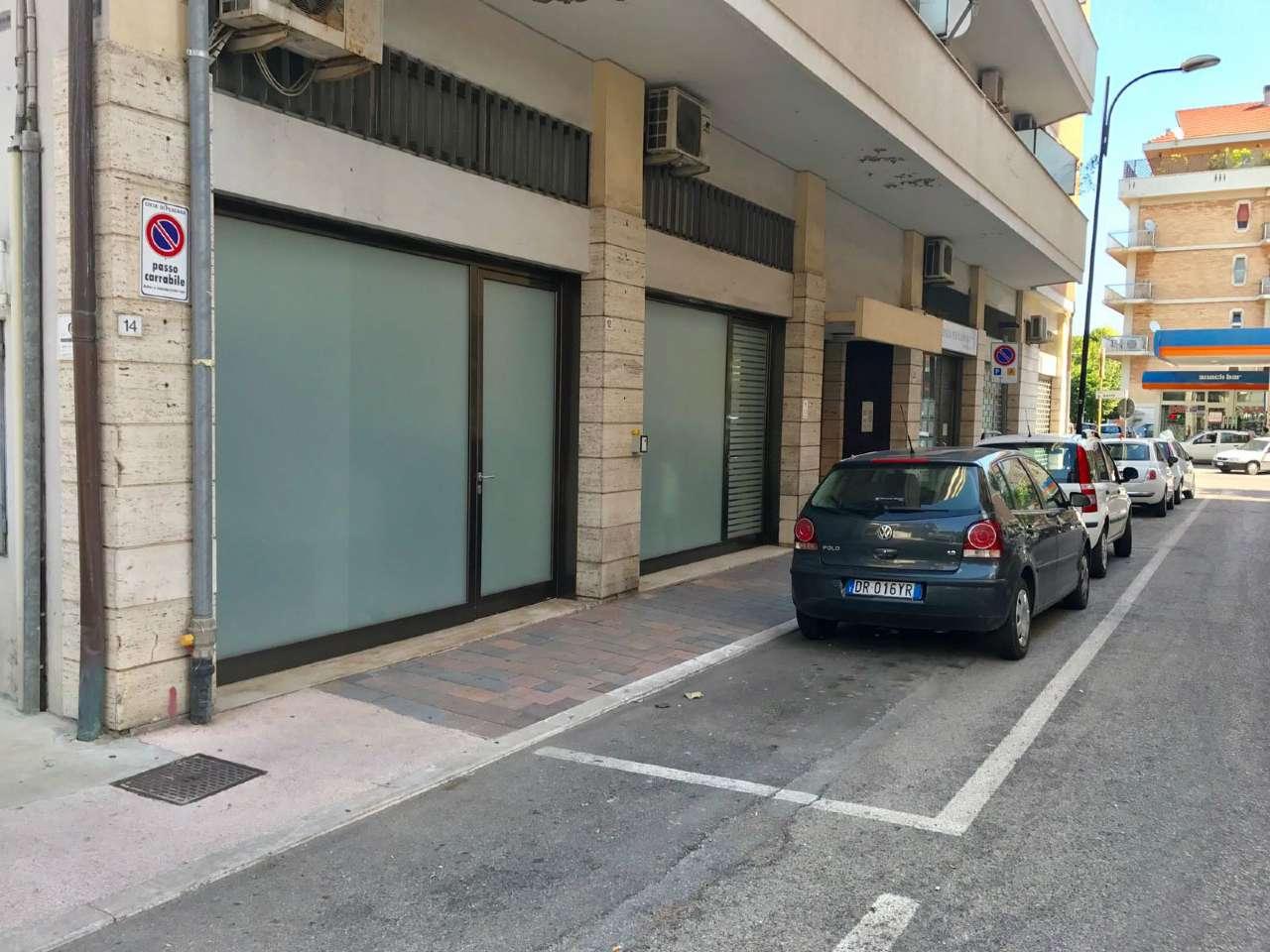 Pescara affittasi Locale commerciale zona Viale Giovanni Bovio Rif. 8157639