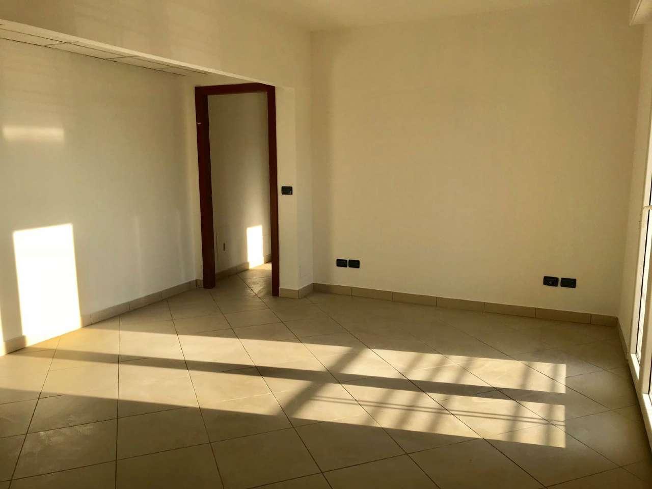 Ufficio / Studio in affitto a Montesilvano, 3 locali, prezzo € 650 | CambioCasa.it
