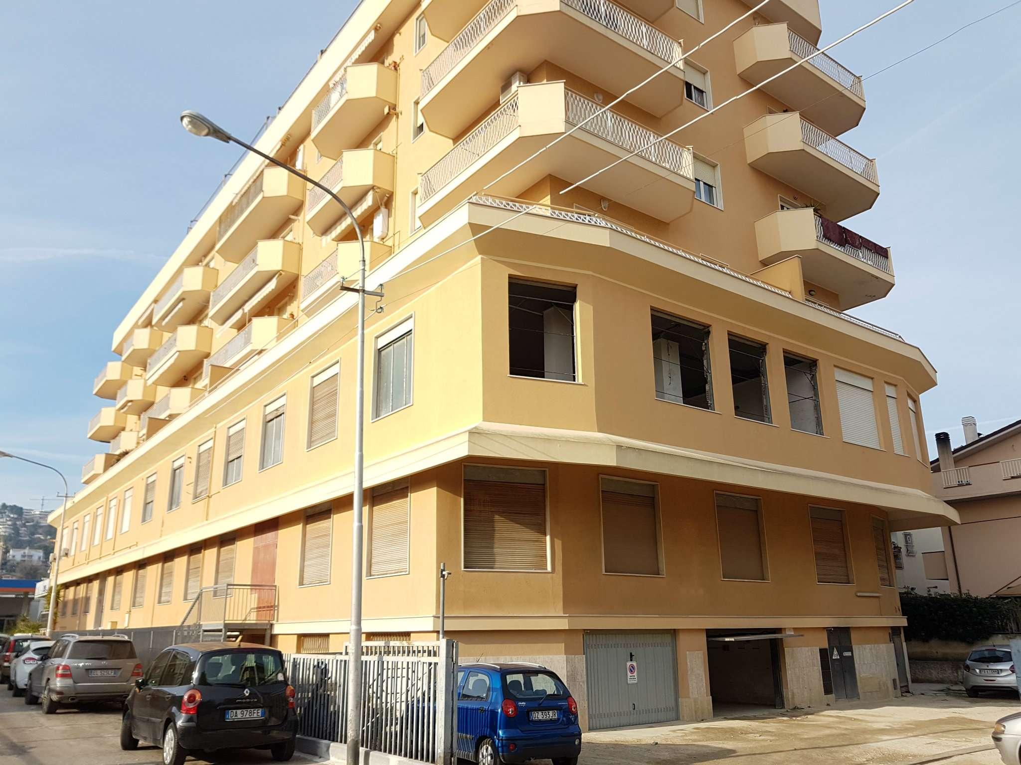 Box / Garage in affitto a Montesilvano, 1 locali, prezzo € 100   CambioCasa.it