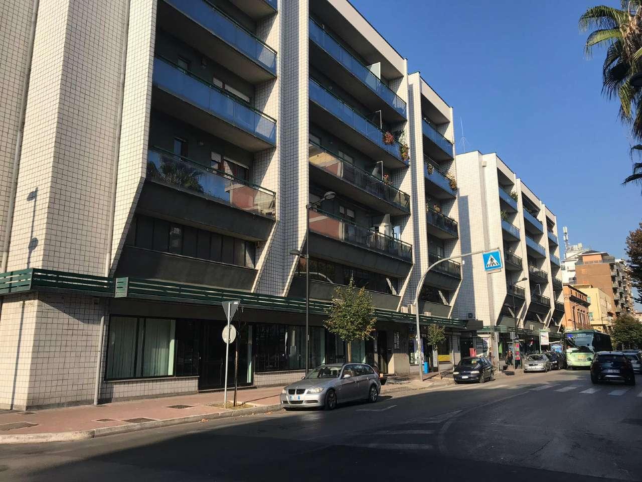 Magazzino - capannone in affitto Rif. 8357260