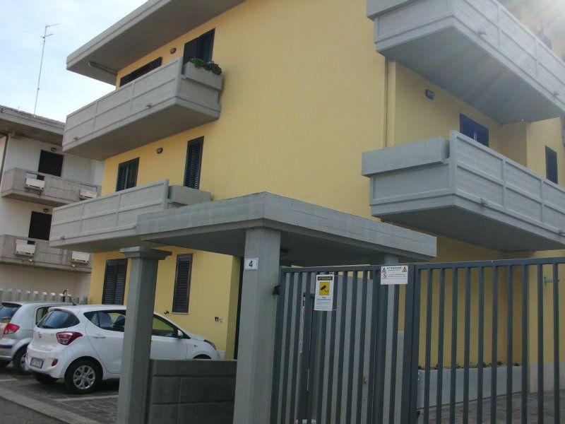 Attico / Mansarda in buone condizioni arredato in affitto Rif. 5751364