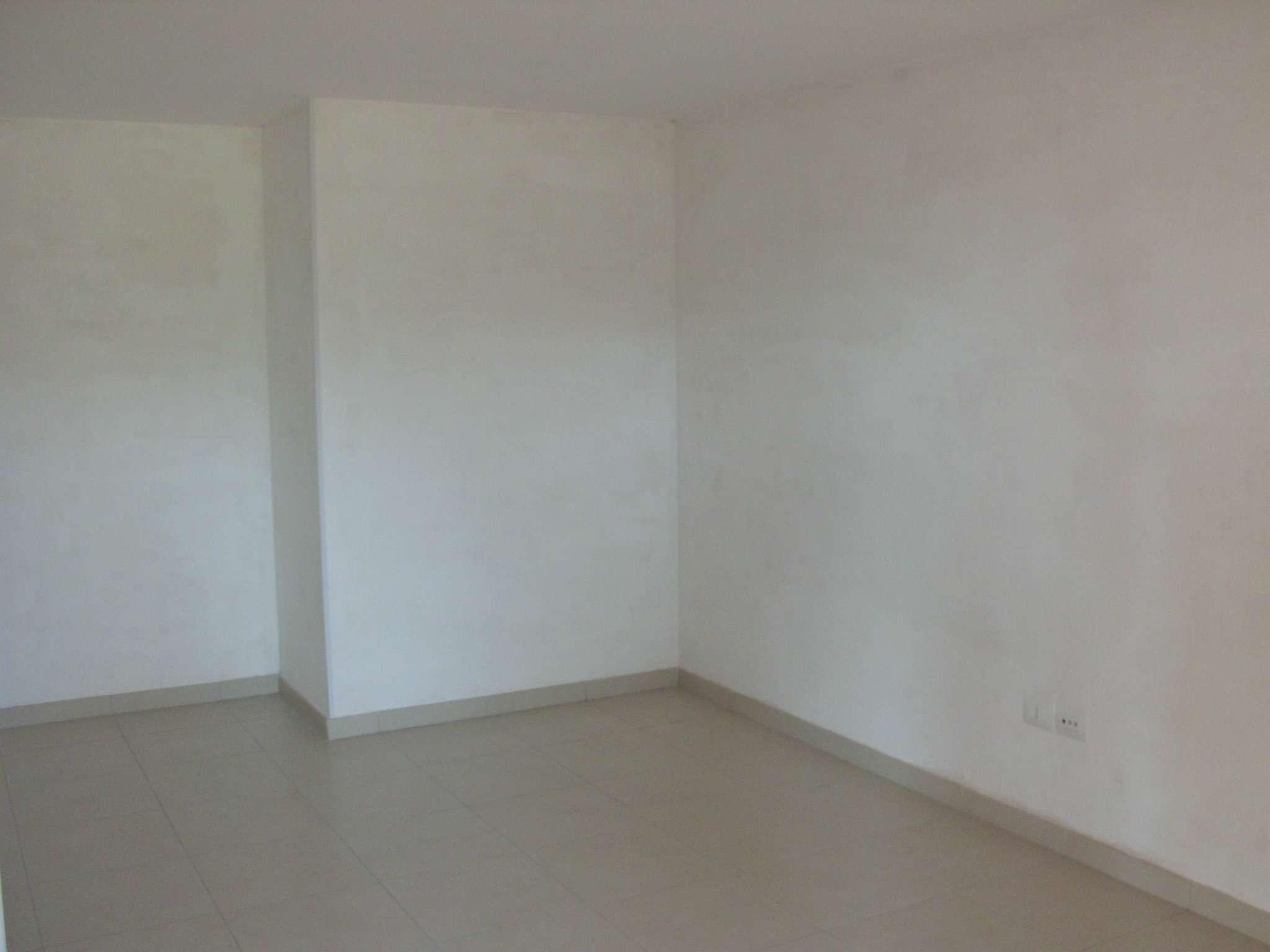 Montesilvano affitasi locale ad uso magazzino Rif. 5007121