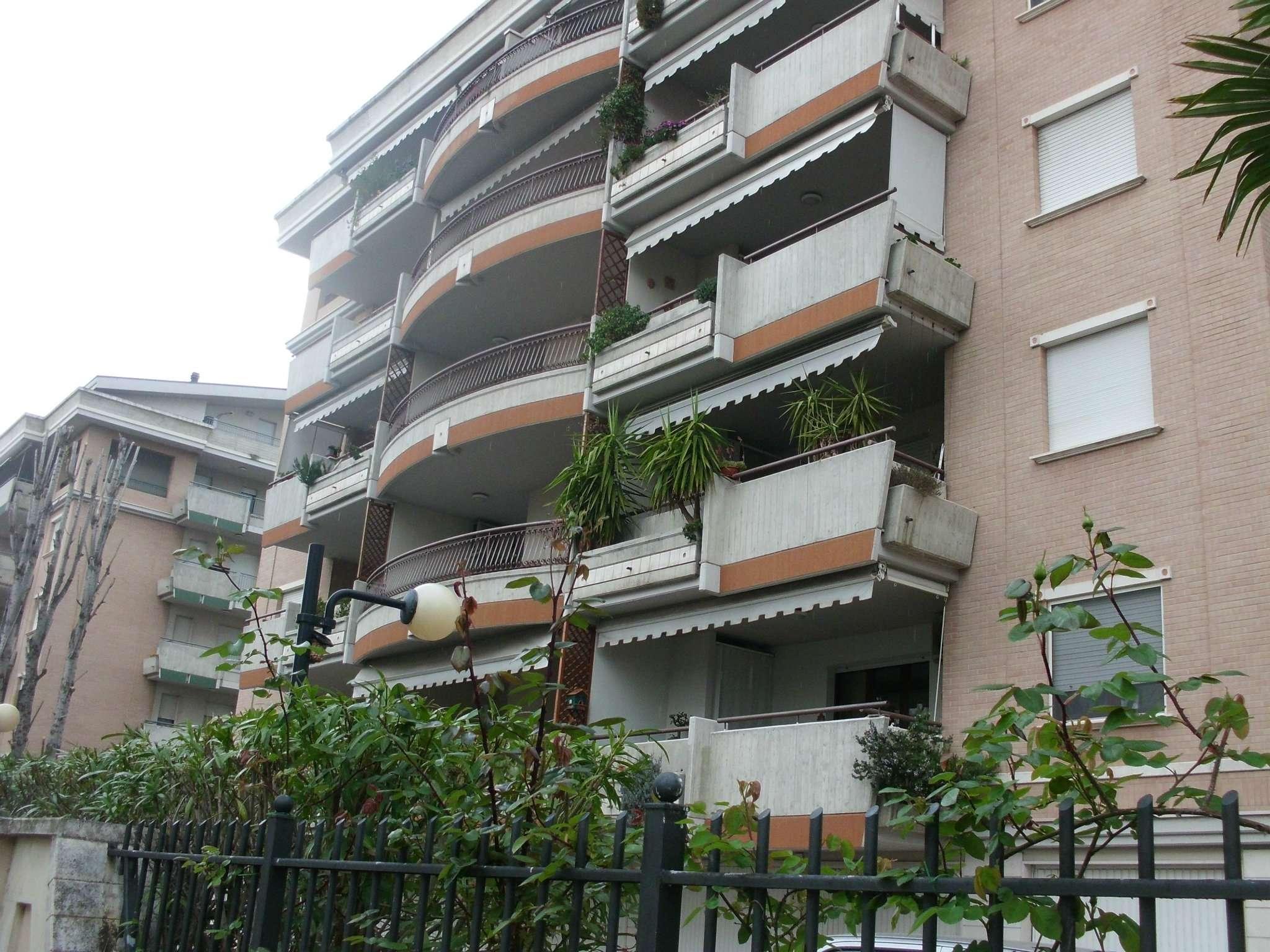 Appartamento in affitto a Montesilvano, 2 locali, prezzo € 450 | CambioCasa.it