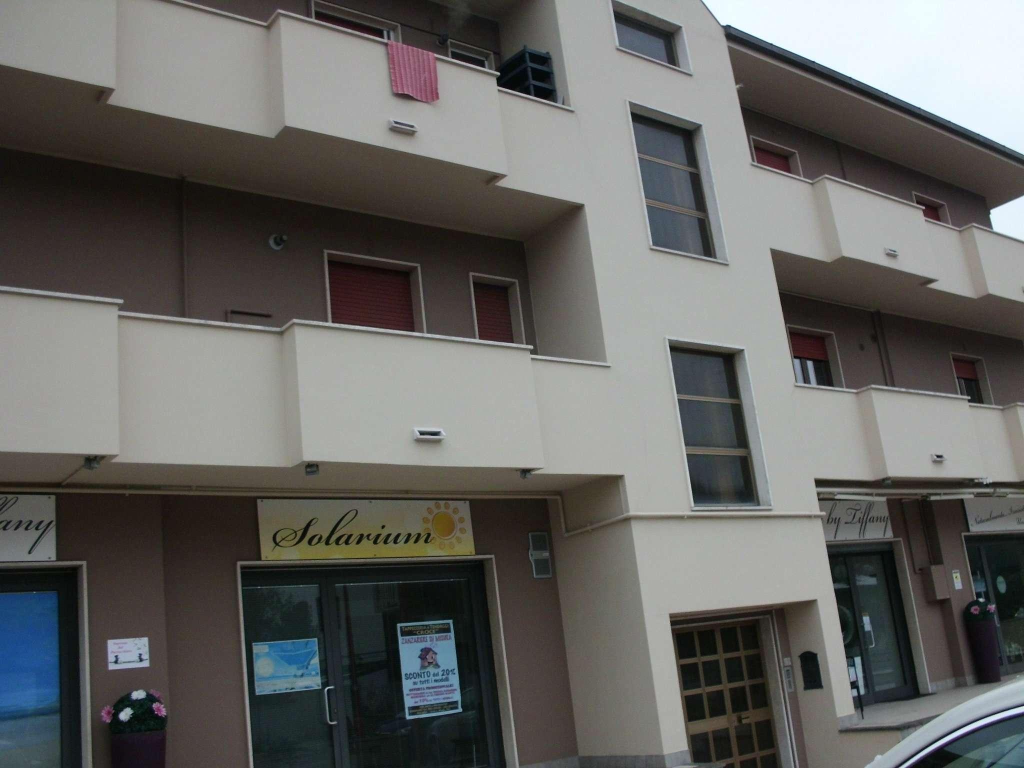 Negozio / Locale in affitto a Montesilvano, 1 locali, prezzo € 900 | CambioCasa.it