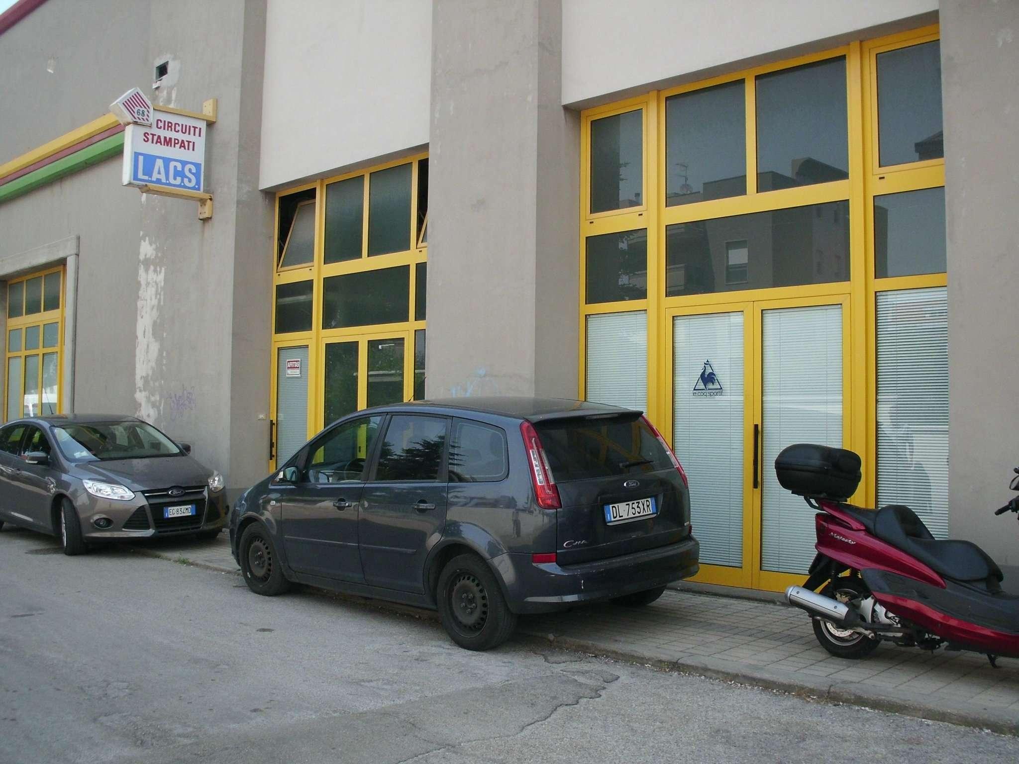 Laboratorio in affitto a Montesilvano, 2 locali, prezzo € 800 | CambioCasa.it