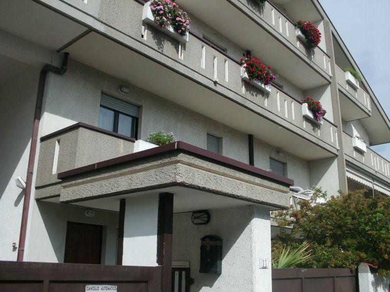 Appartamento in affitto a Montesilvano, 3 locali, prezzo € 520   CambioCasa.it