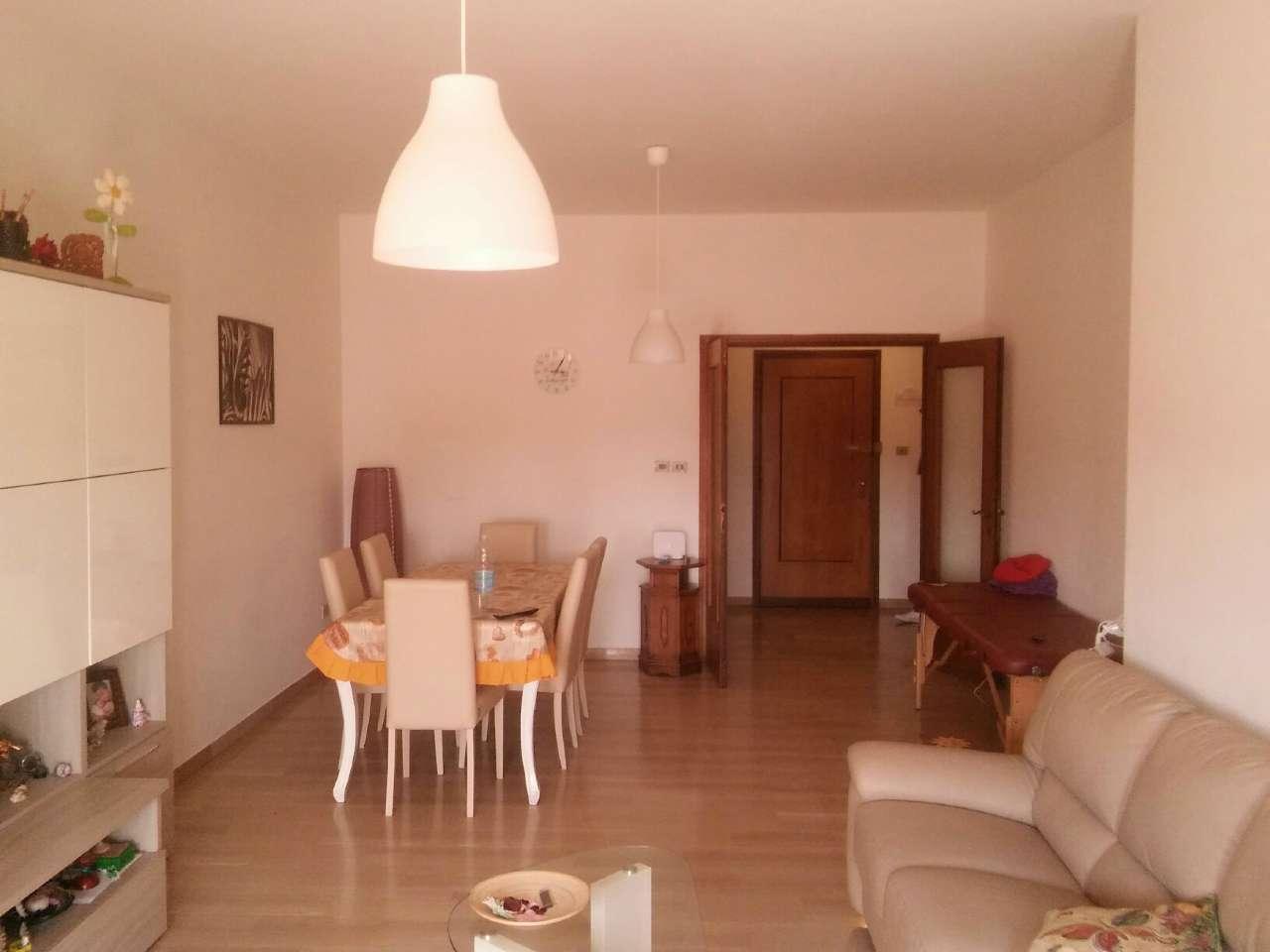 Stanza / posto letto arredato in affitto Rif. 6332070