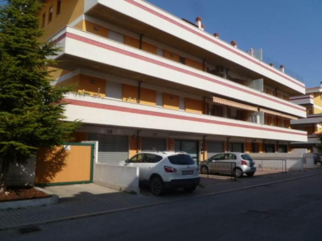 Appartamento in ottime condizioni in vendita Rif. 5007340