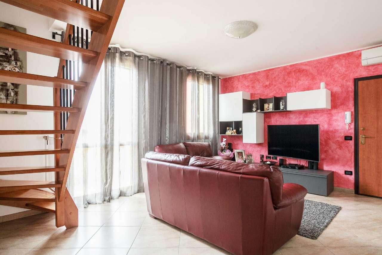 Appartamento in ottime condizioni in vendita Rif. 5007968