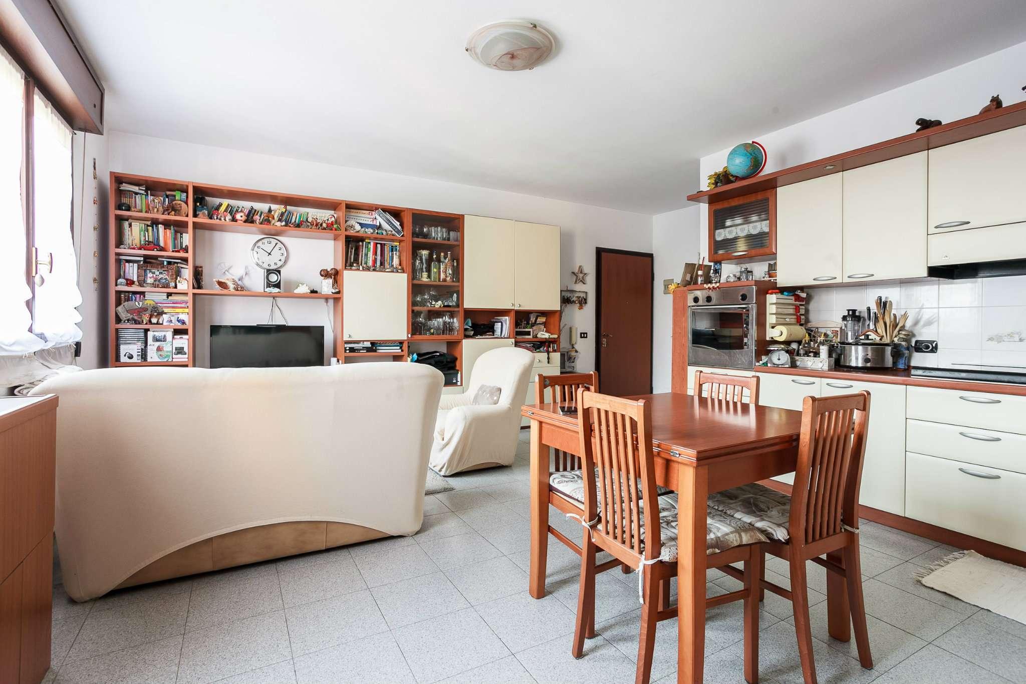Appartamento in ottime condizioni in vendita Rif. 5007985
