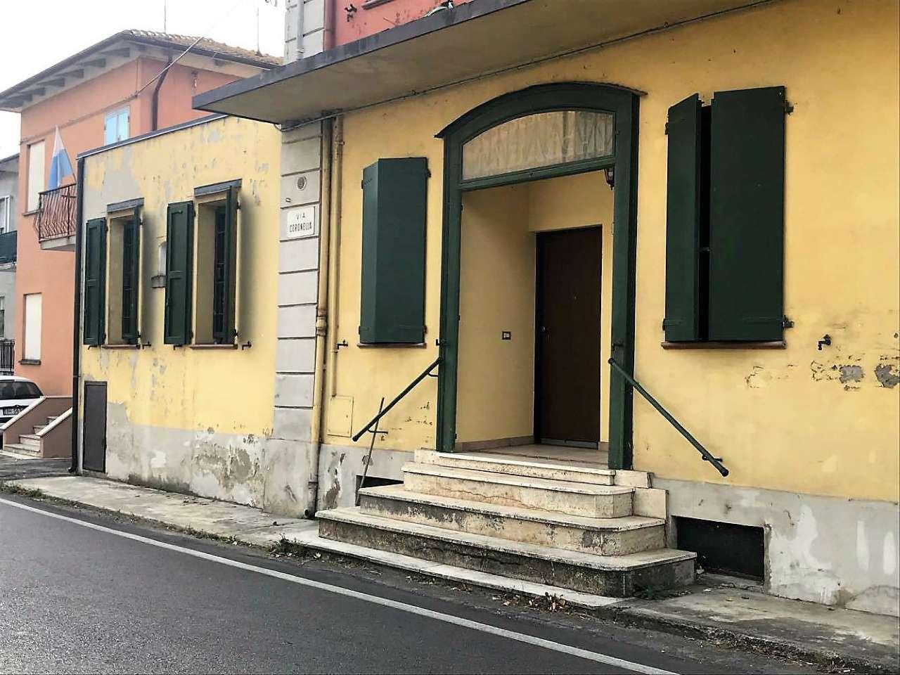 Appartamento in buone condizioni arredato in vendita Rif. 5007987