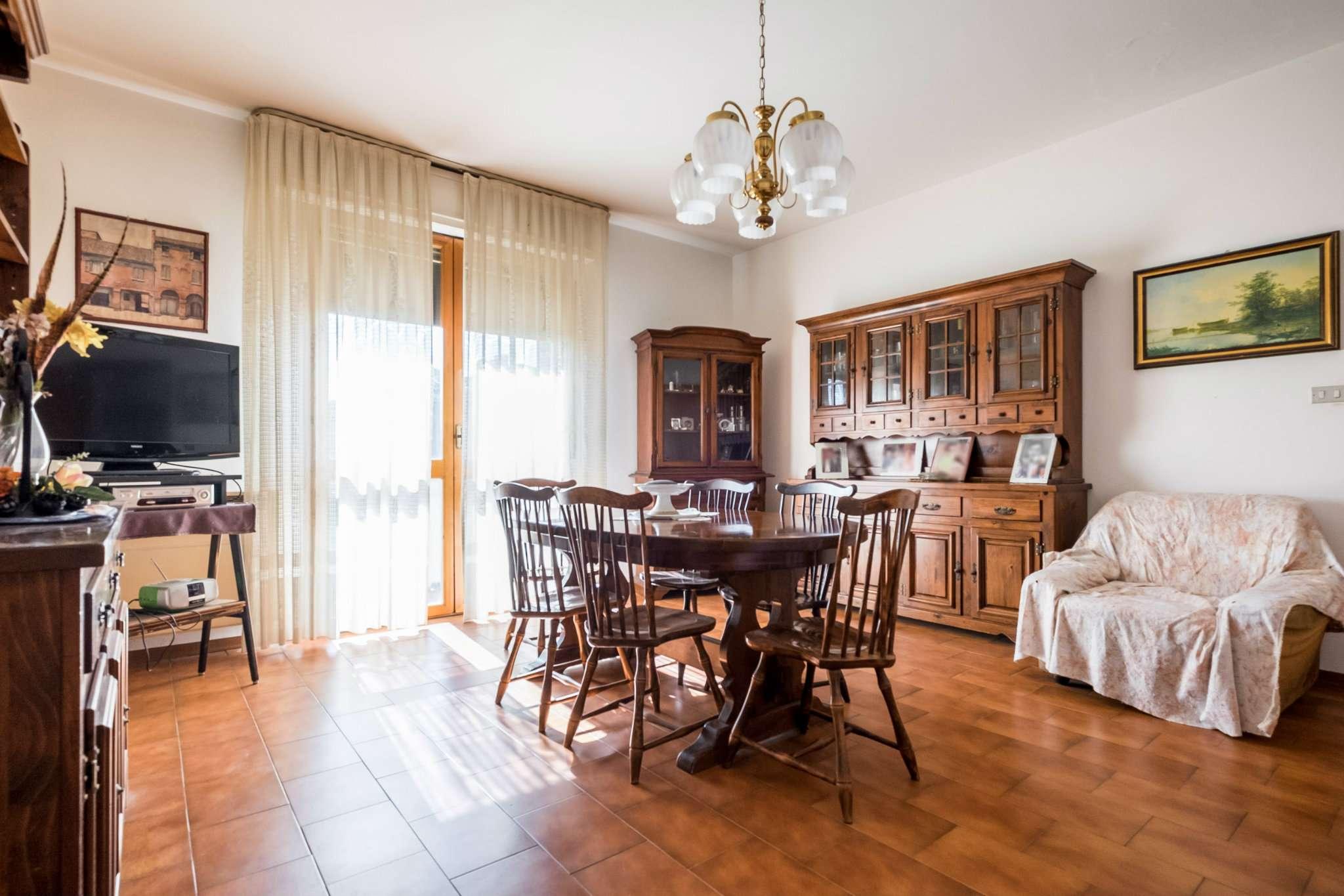 Appartamento in buone condizioni in vendita Rif. 5007948