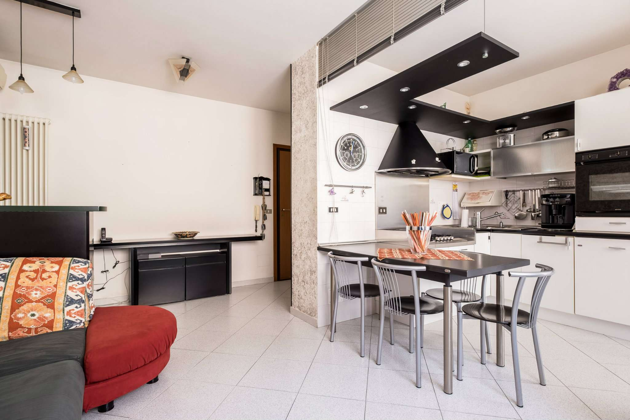 Appartamento in buone condizioni in vendita Rif. 8174763