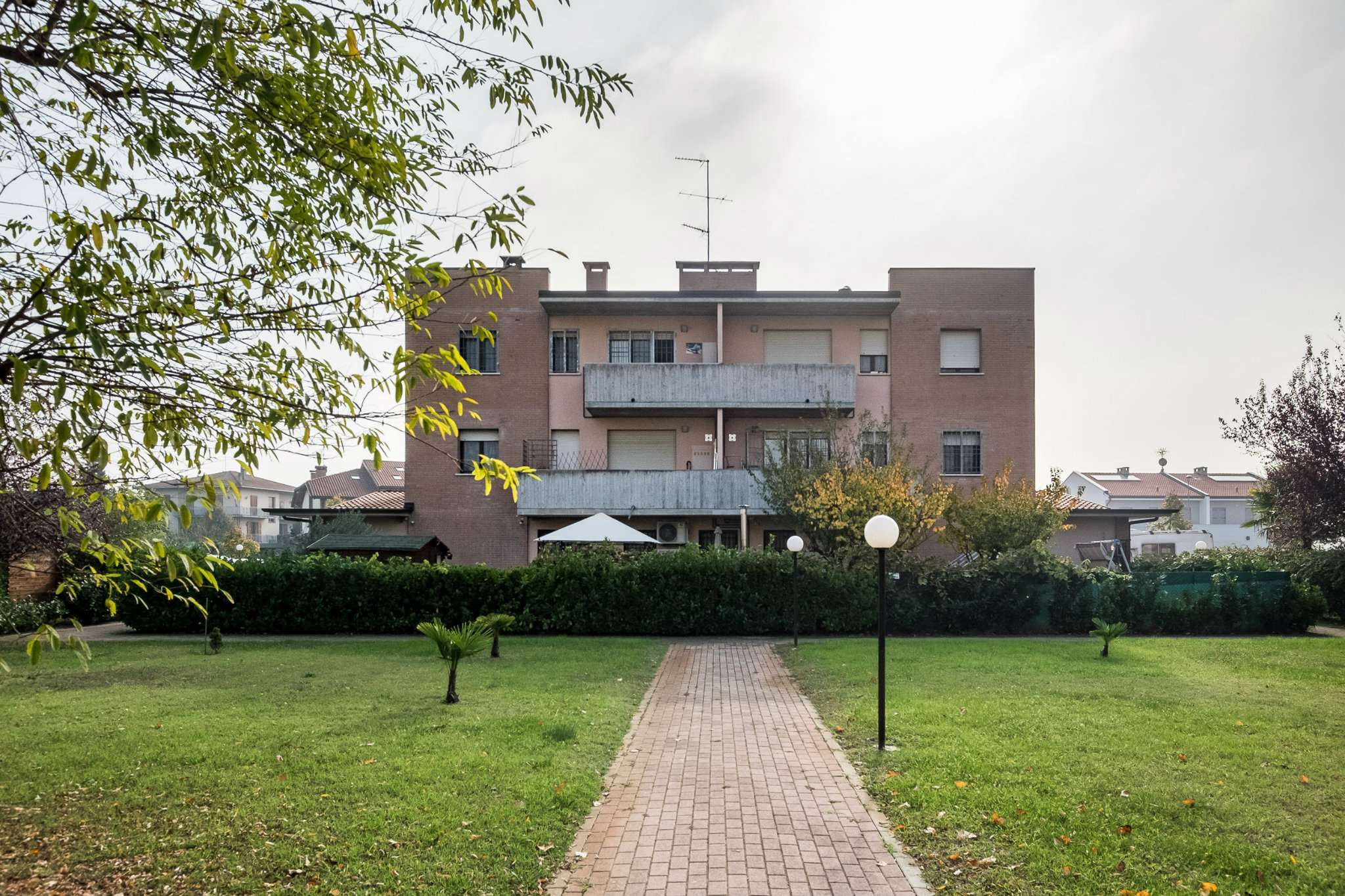 Appartamento in ottime condizioni parzialmente arredato in vendita Rif. 8563156