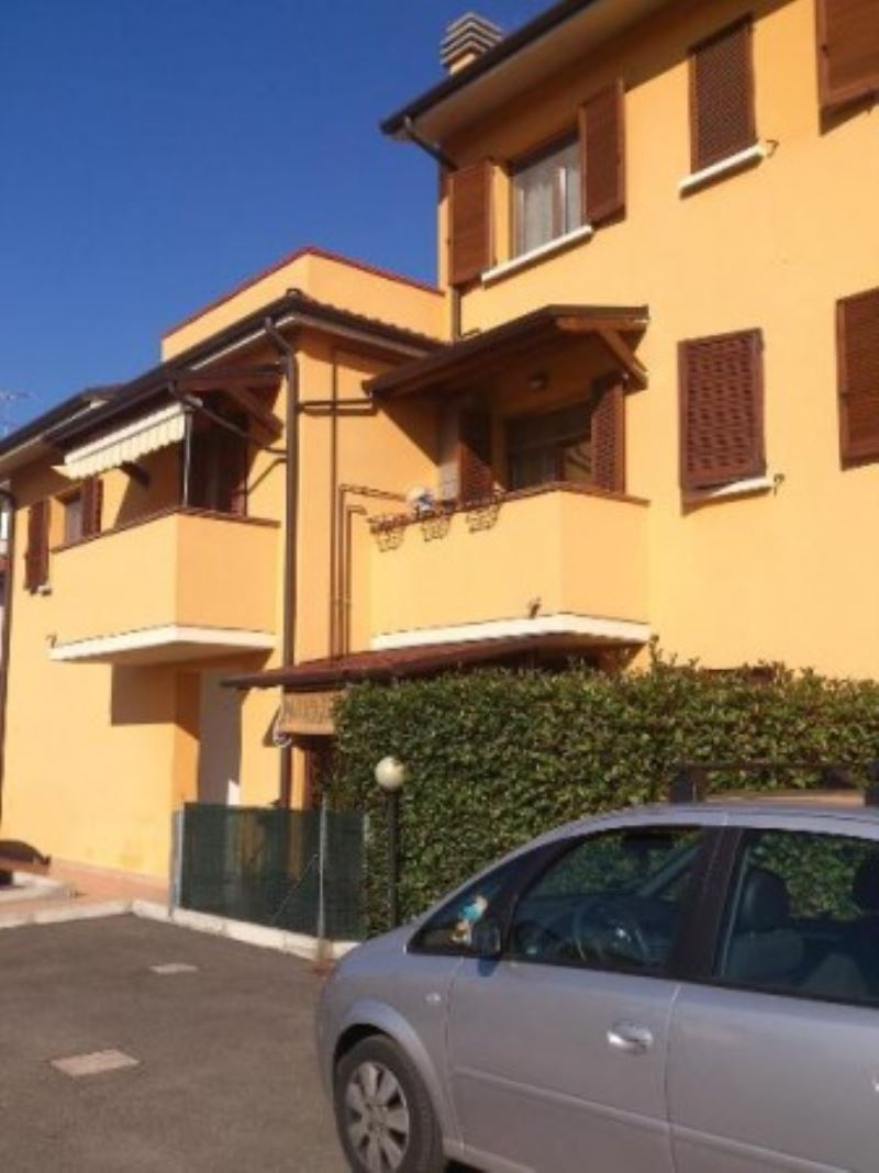 Appartamento in ottime condizioni in vendita Rif. 5007947
