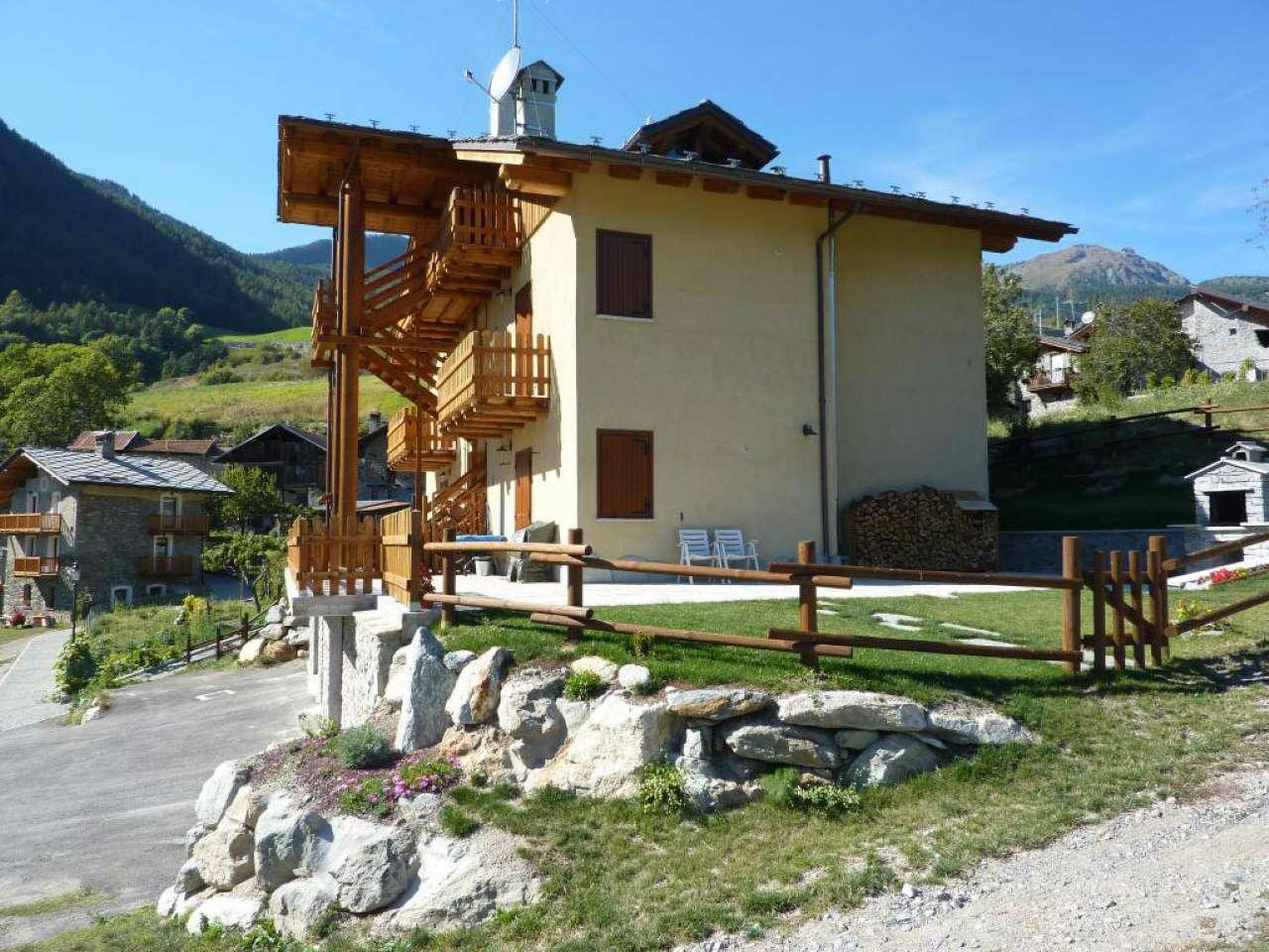 Torgnon, appartamento con ottima vista sulla valle. Riscaldamento autonomo