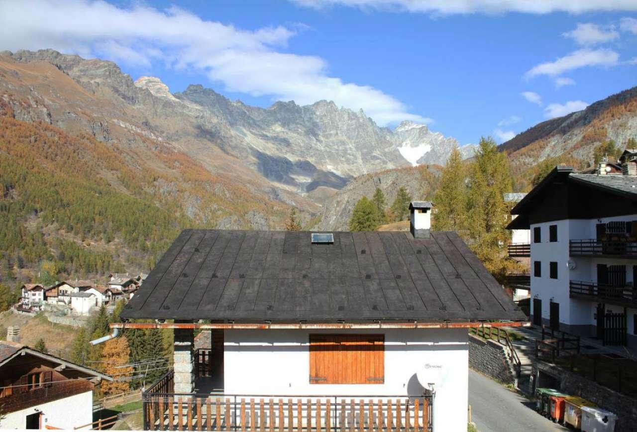 Valtournenche, appartamento sulle piste da sci del comprensorio internazionale