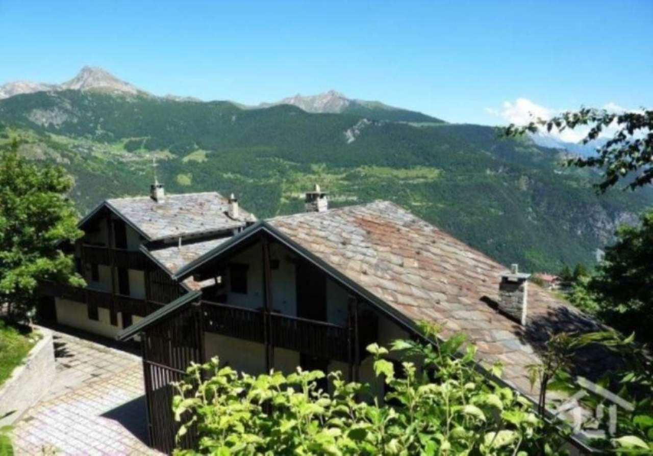 Torgnon, zona centrale con vista sulla valle