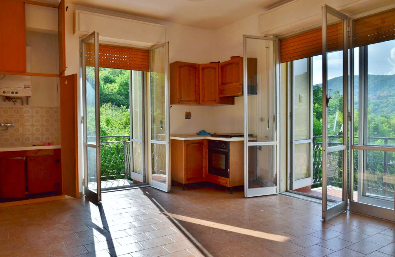 Appartamento in vendita a Sant'Olcese, 3 locali, prezzo € 60.000 | PortaleAgenzieImmobiliari.it