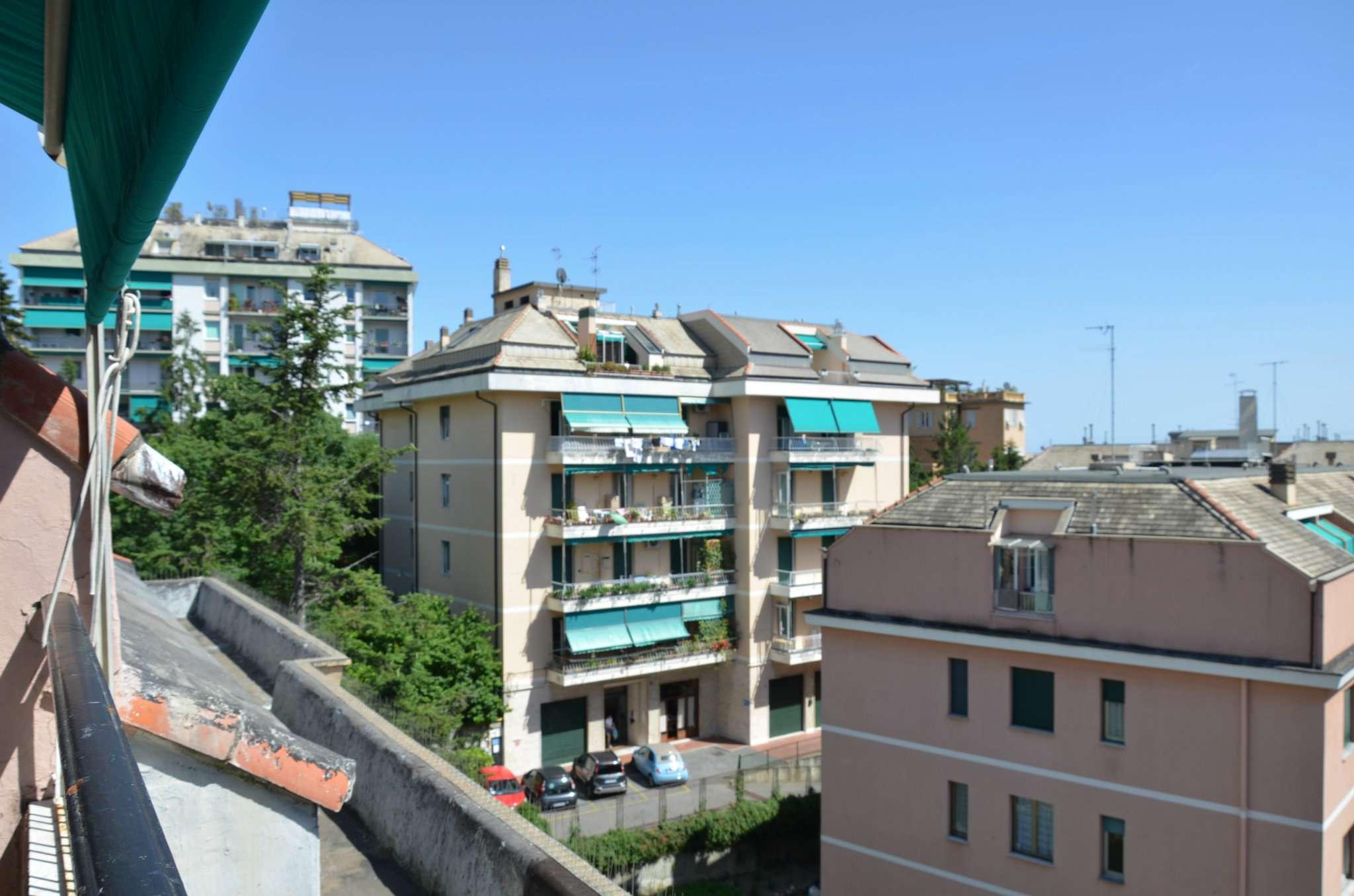 Attico / Mansarda in buone condizioni in affitto Rif. 6841222