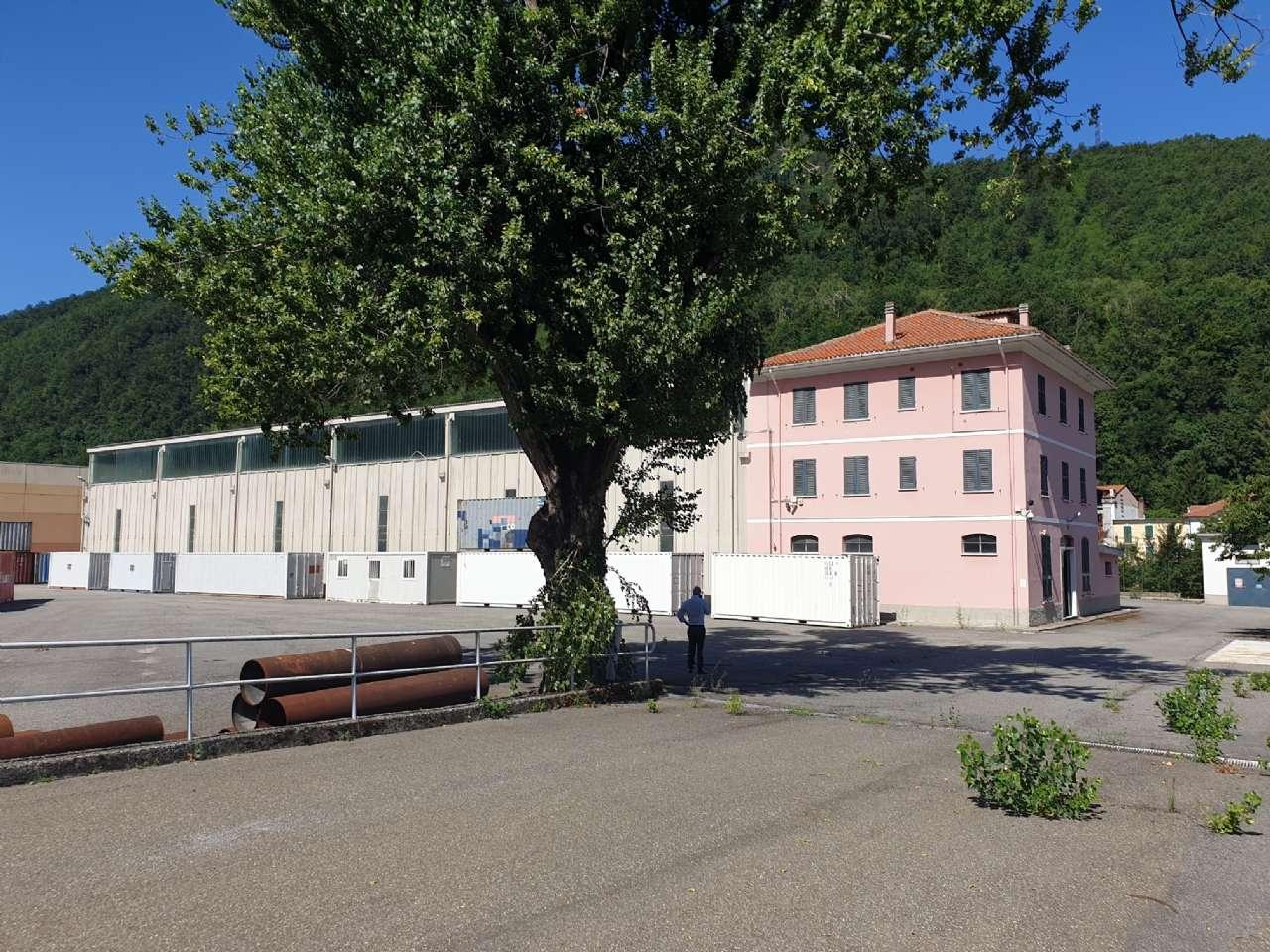 Capannone in vendita a Isola del Cantone, 10 locali, Trattative riservate | PortaleAgenzieImmobiliari.it