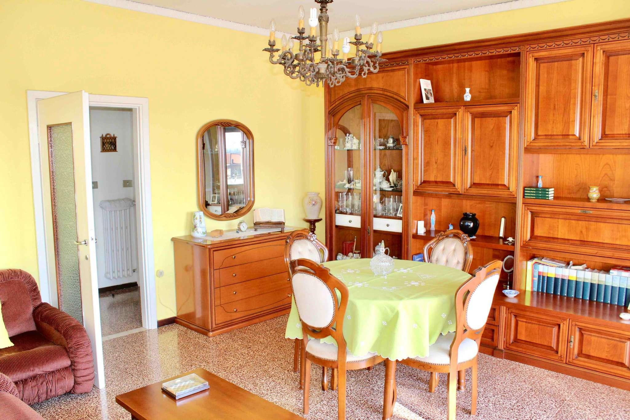Appartamento in buone condizioni in vendita Rif. 5901561
