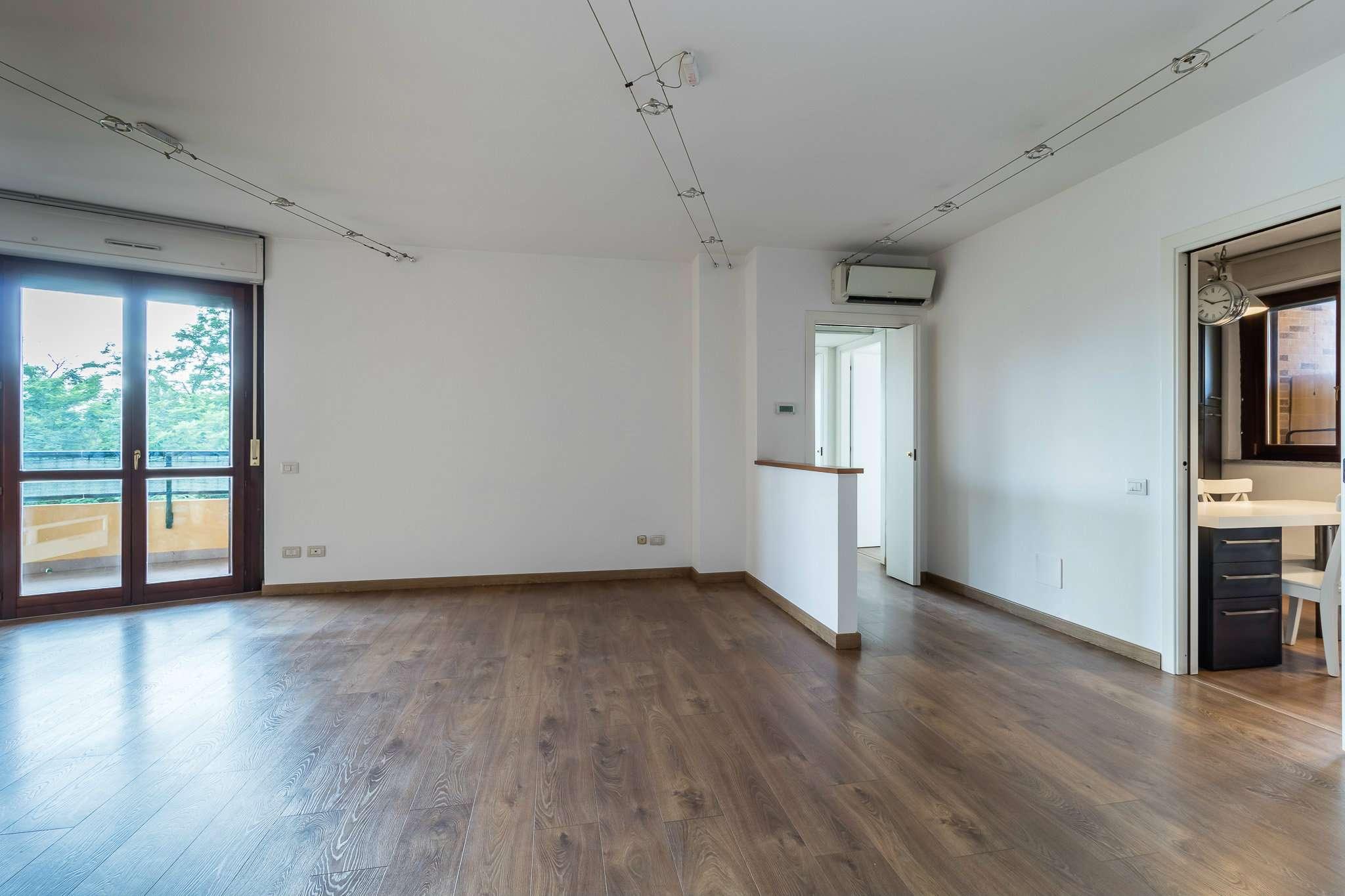 Appartamento in ottime condizioni in vendita Rif. 7031828