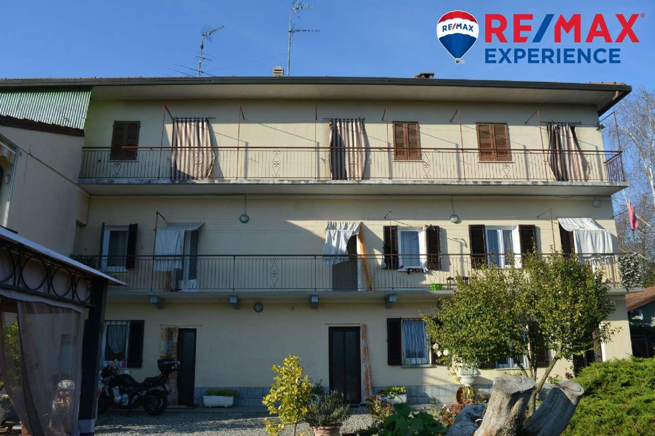 Appartamento in condizioni mediocri in vendita Rif. 8111854