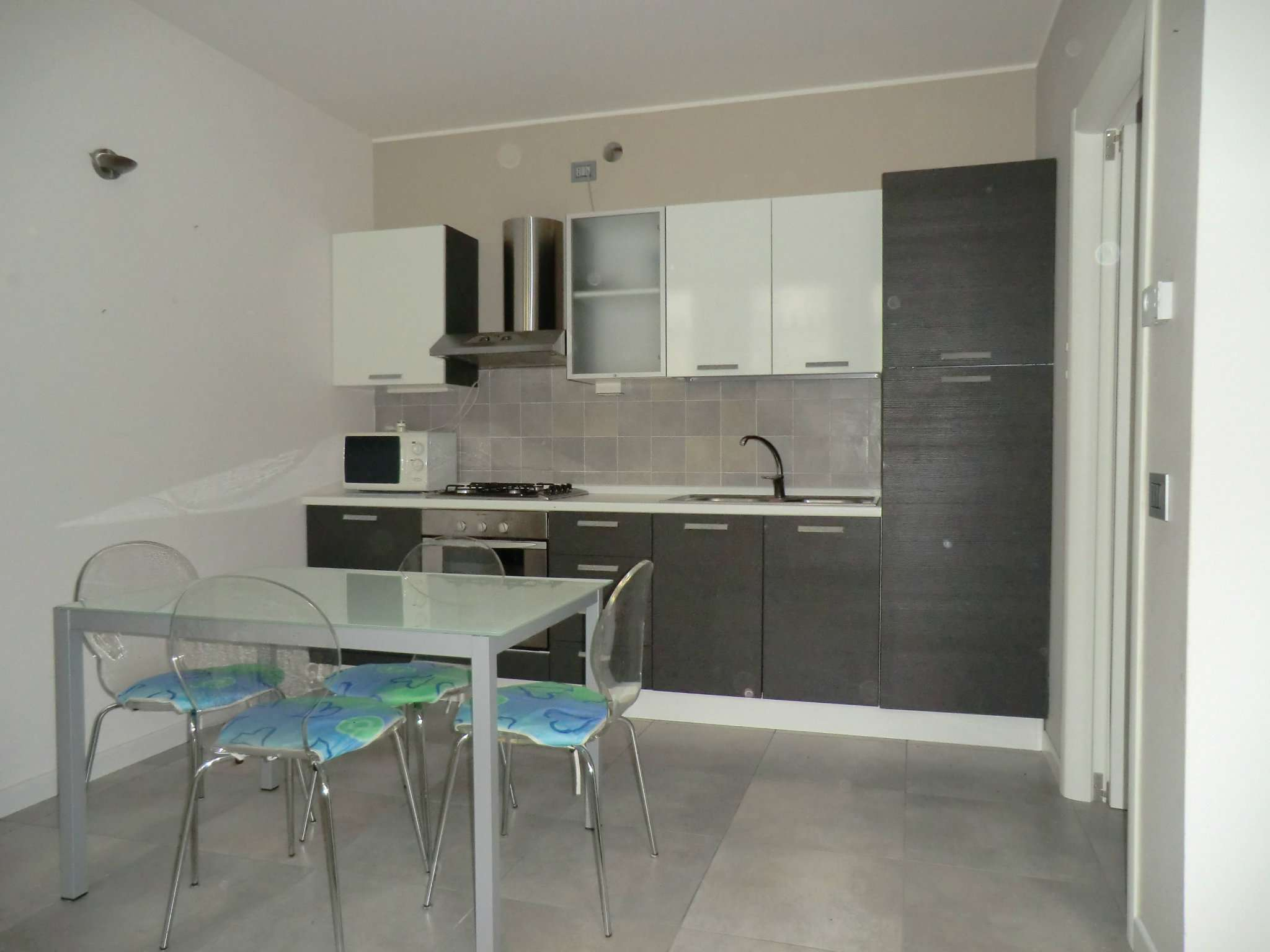 Appartamento in ottime condizioni arredato in affitto Rif. 8719620