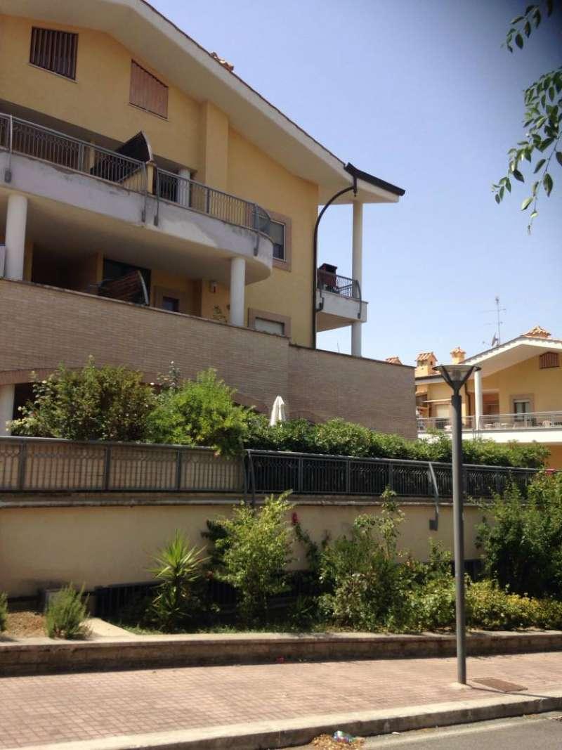 Appartamento in ottime condizioni arredato in affitto Rif. 8297328